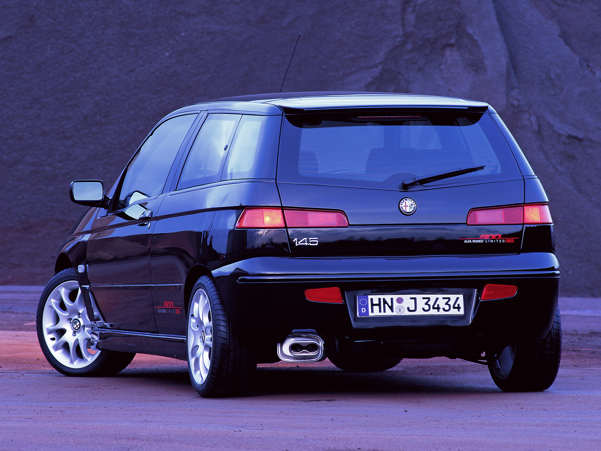 alfa romeo 145 specs photos 1994 1995 1996 1997 1998 1999 2000 autoevolution. Black Bedroom Furniture Sets. Home Design Ideas