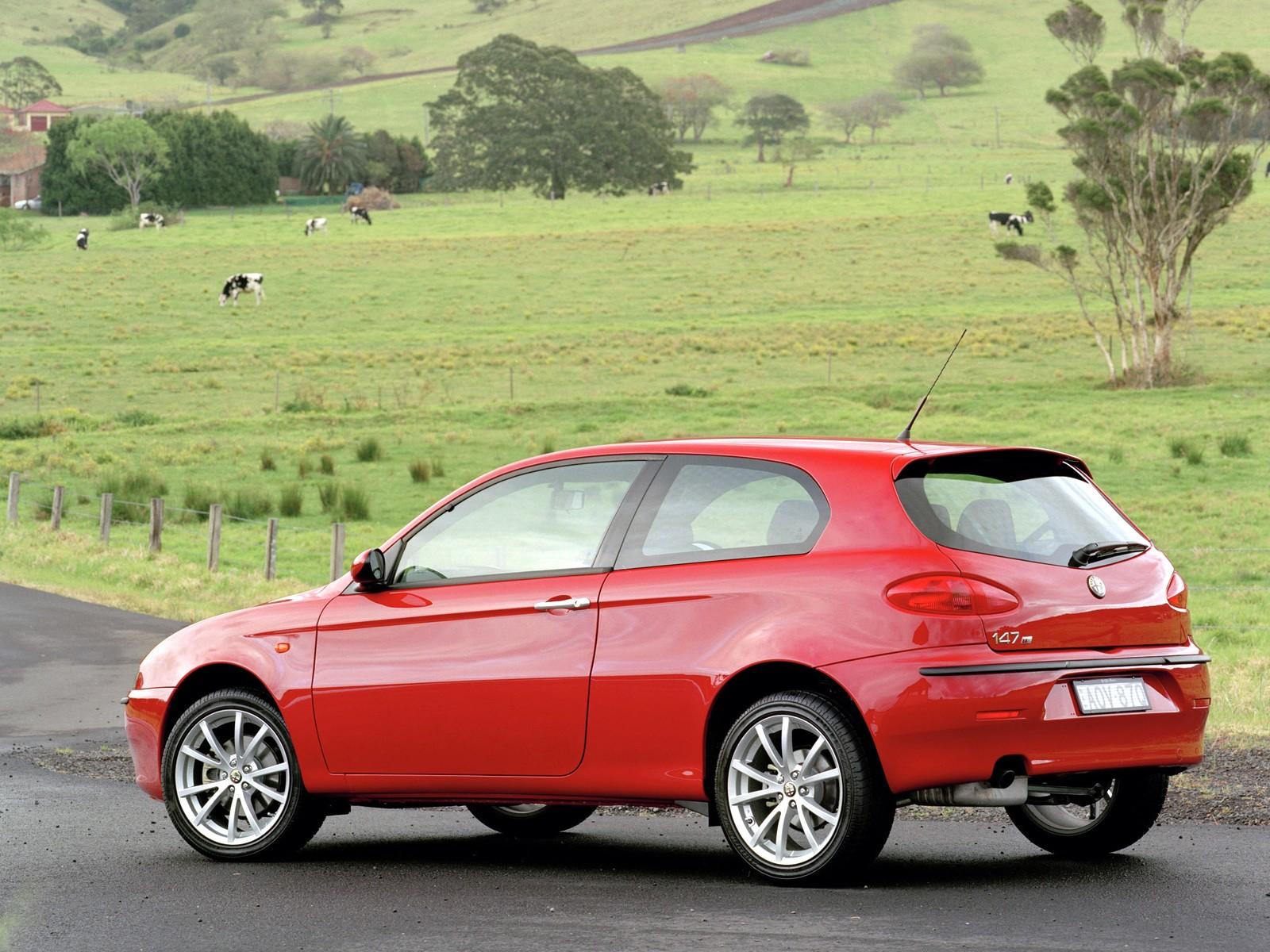 alfa romeo 147 3 doors specs 2000 2001 2002 2003 2004 2005 autoevolution. Black Bedroom Furniture Sets. Home Design Ideas