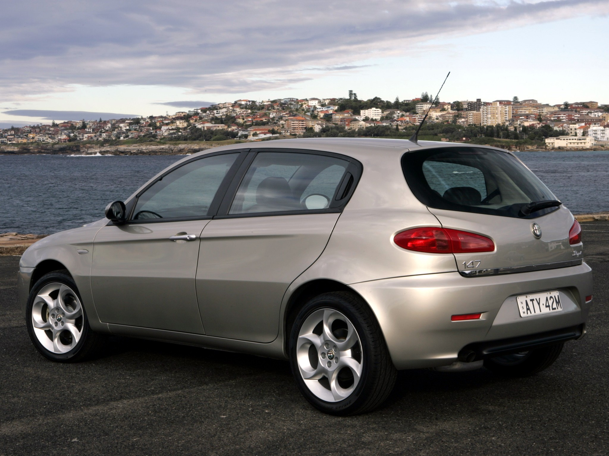 alfa romeo 147 5 doors specs 2005 2006 2007 2008. Black Bedroom Furniture Sets. Home Design Ideas