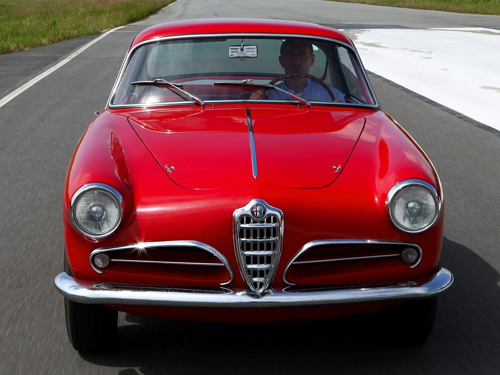 Alfa Romeo Super Sprint on Alfa Romeo 4c