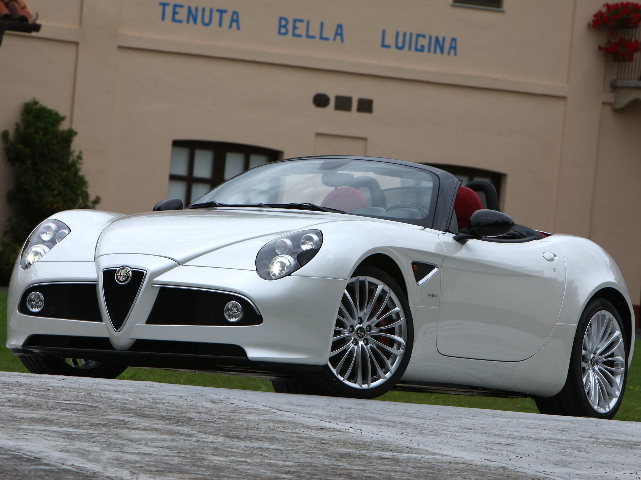Alfa Romeo C Spider on Cadillac V8 Engine