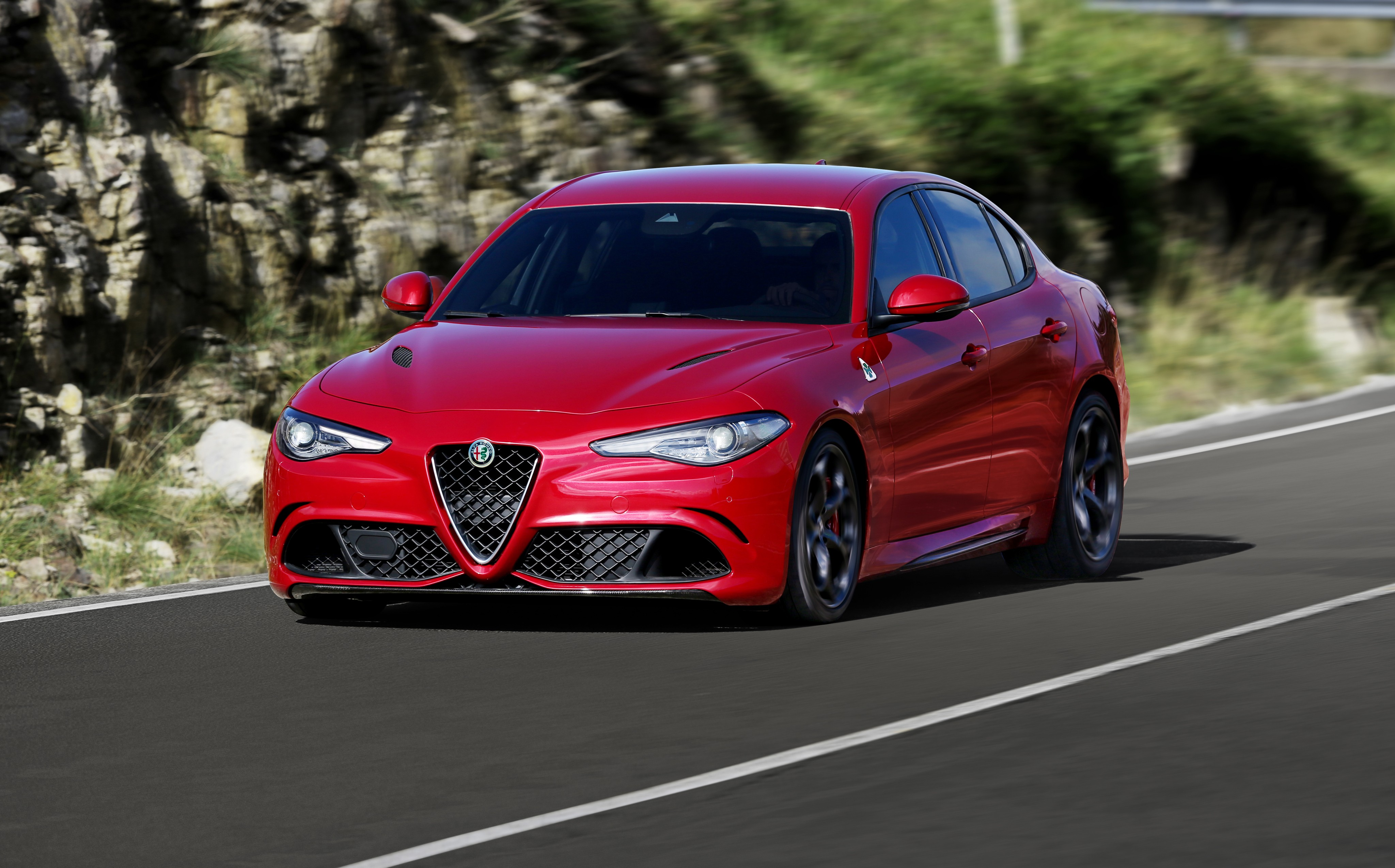 alfa romeo giulia quadrifoglio specs photos 2016 2017 2018 autoevolution. Black Bedroom Furniture Sets. Home Design Ideas