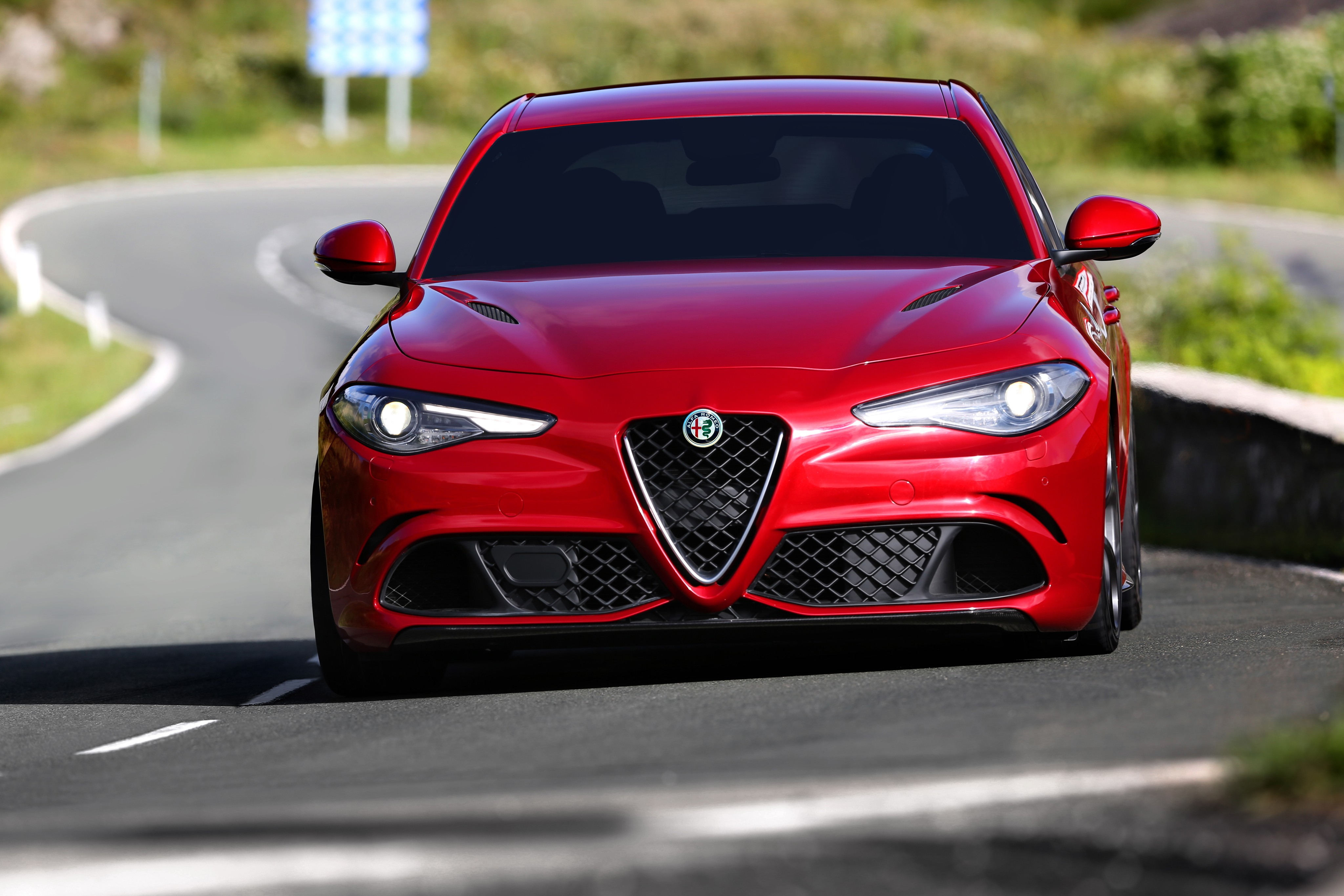 alfa romeo giulia quadrifoglio specs 2016 2017 2018 autoevolution. Black Bedroom Furniture Sets. Home Design Ideas