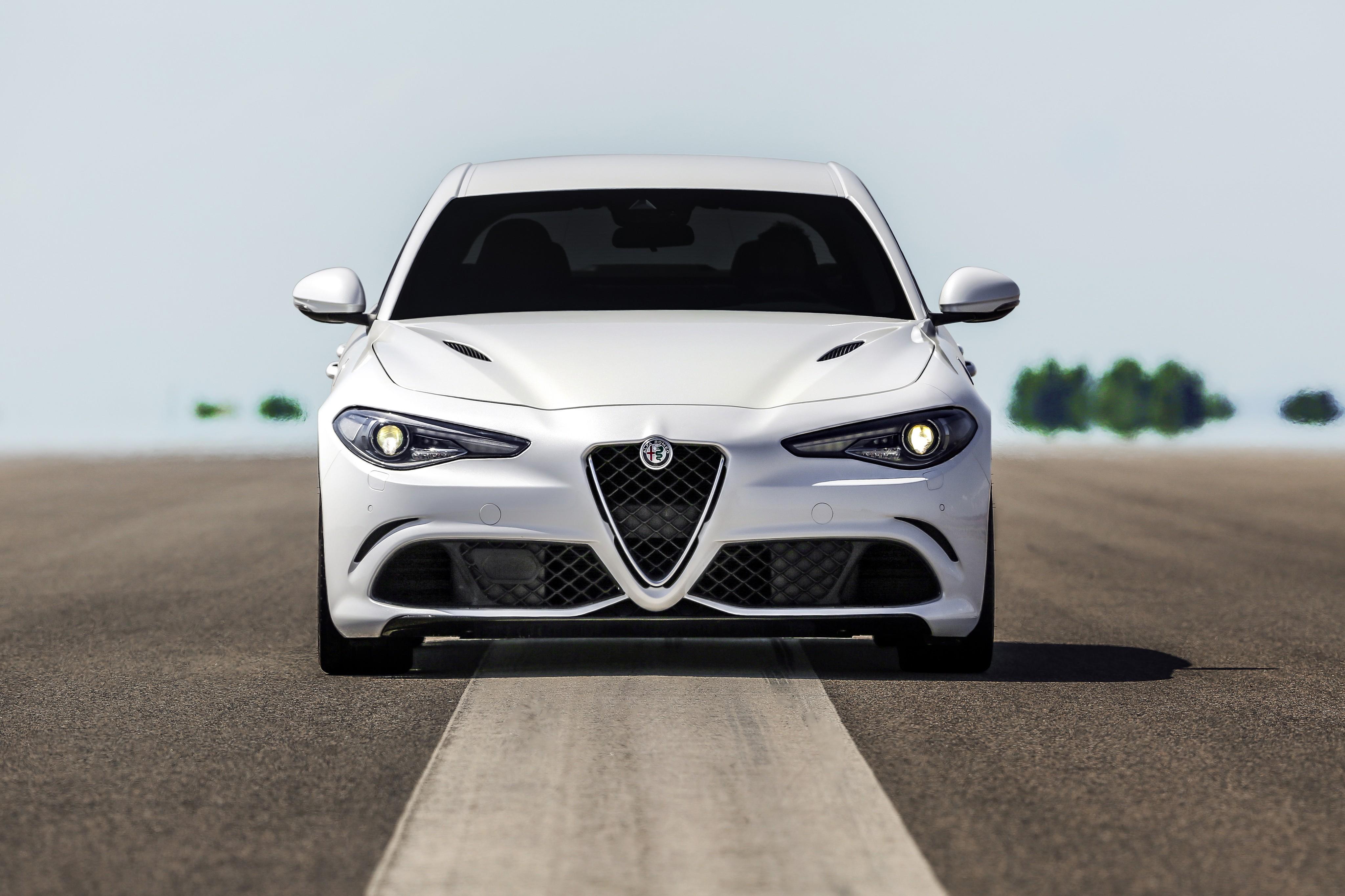 Alfa Romeo 4C >> ALFA ROMEO Giulia Quadrifoglio specs & photos - 2016, 2017, 2018, 2019, 2020 - autoevolution