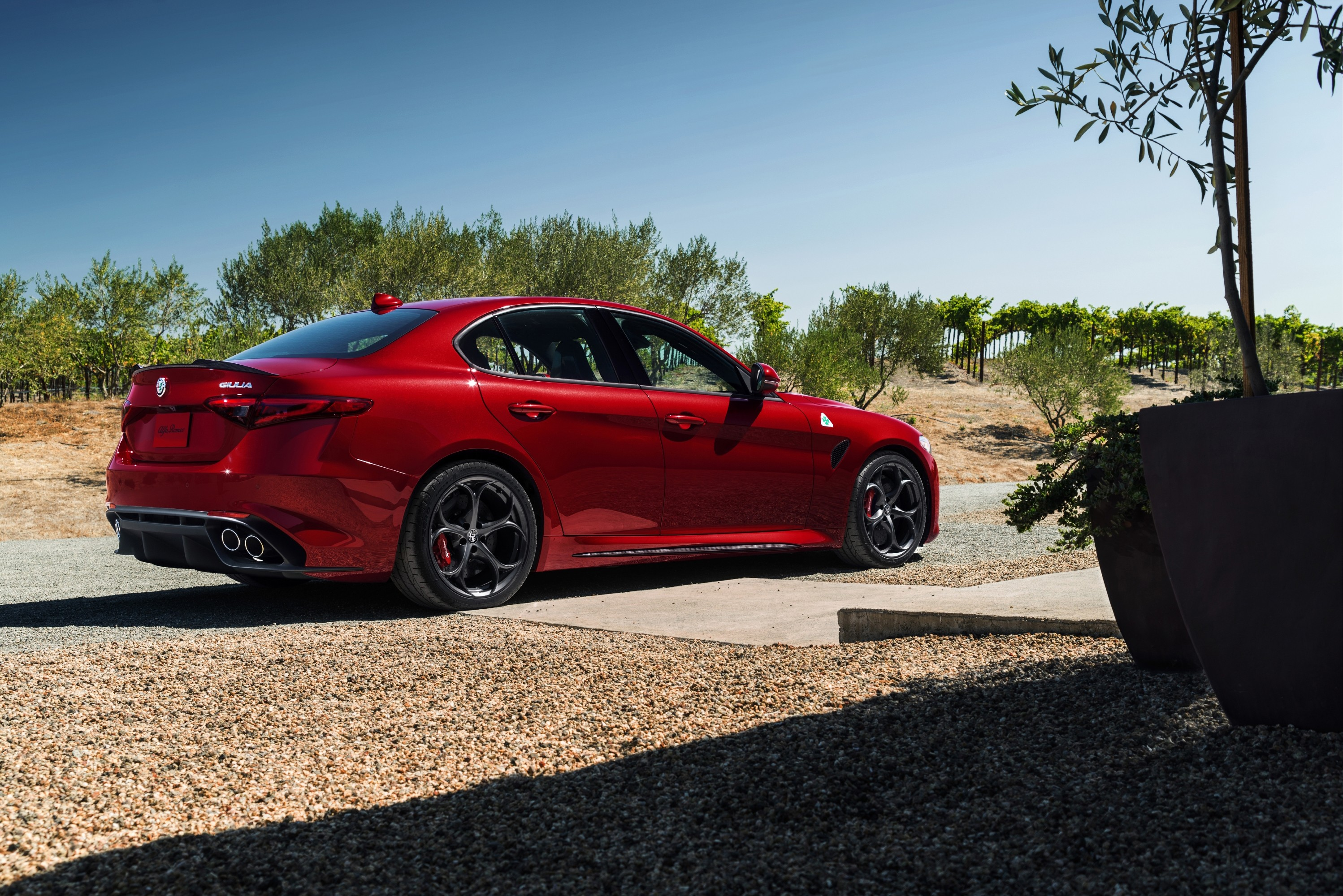 alfa romeo giulia quadrifoglio 2016 2017 autoevolution. Black Bedroom Furniture Sets. Home Design Ideas