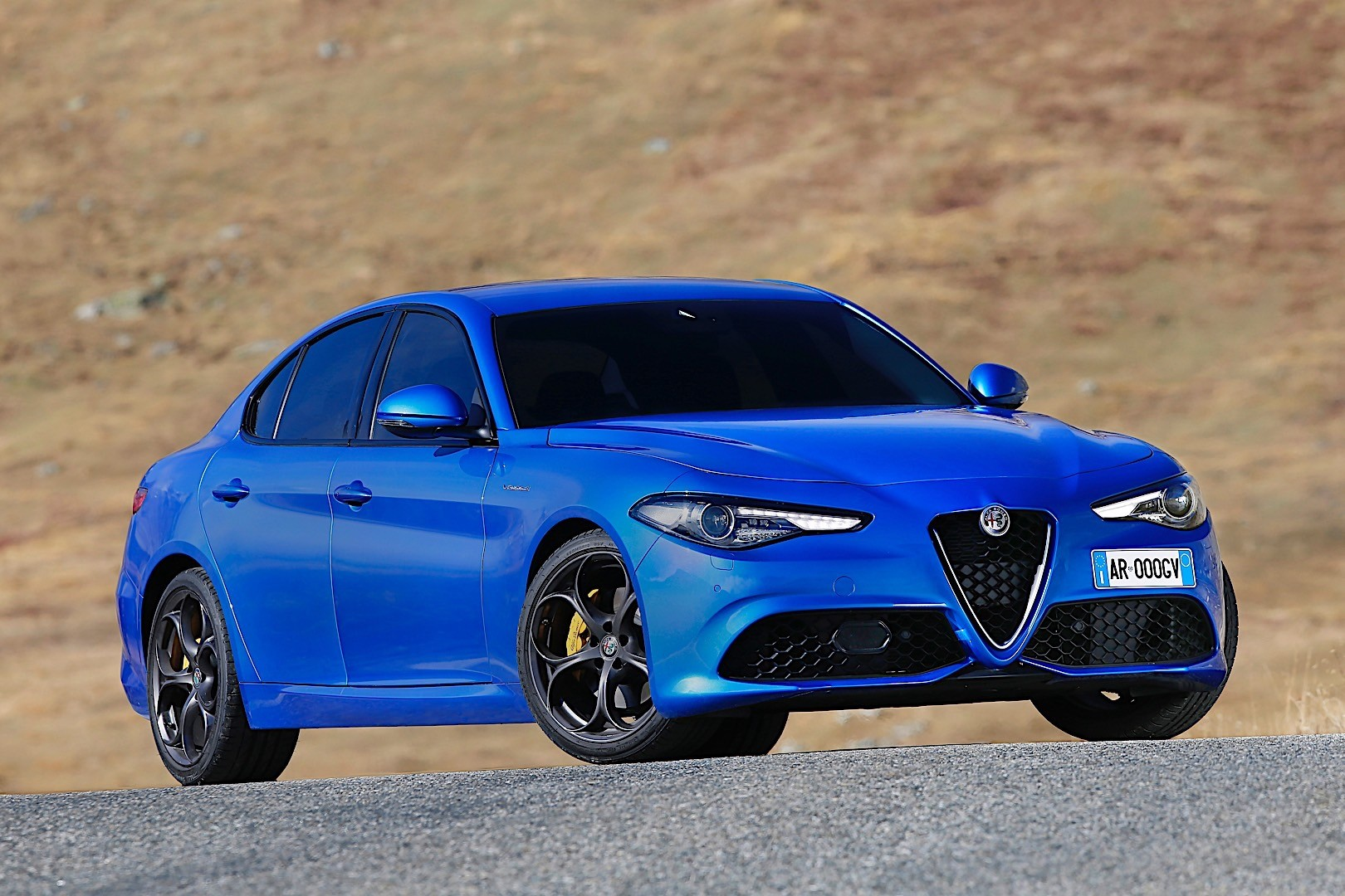 alfa romeo giulia veloce specs 2016 2017 2018 autoevolution. Black Bedroom Furniture Sets. Home Design Ideas