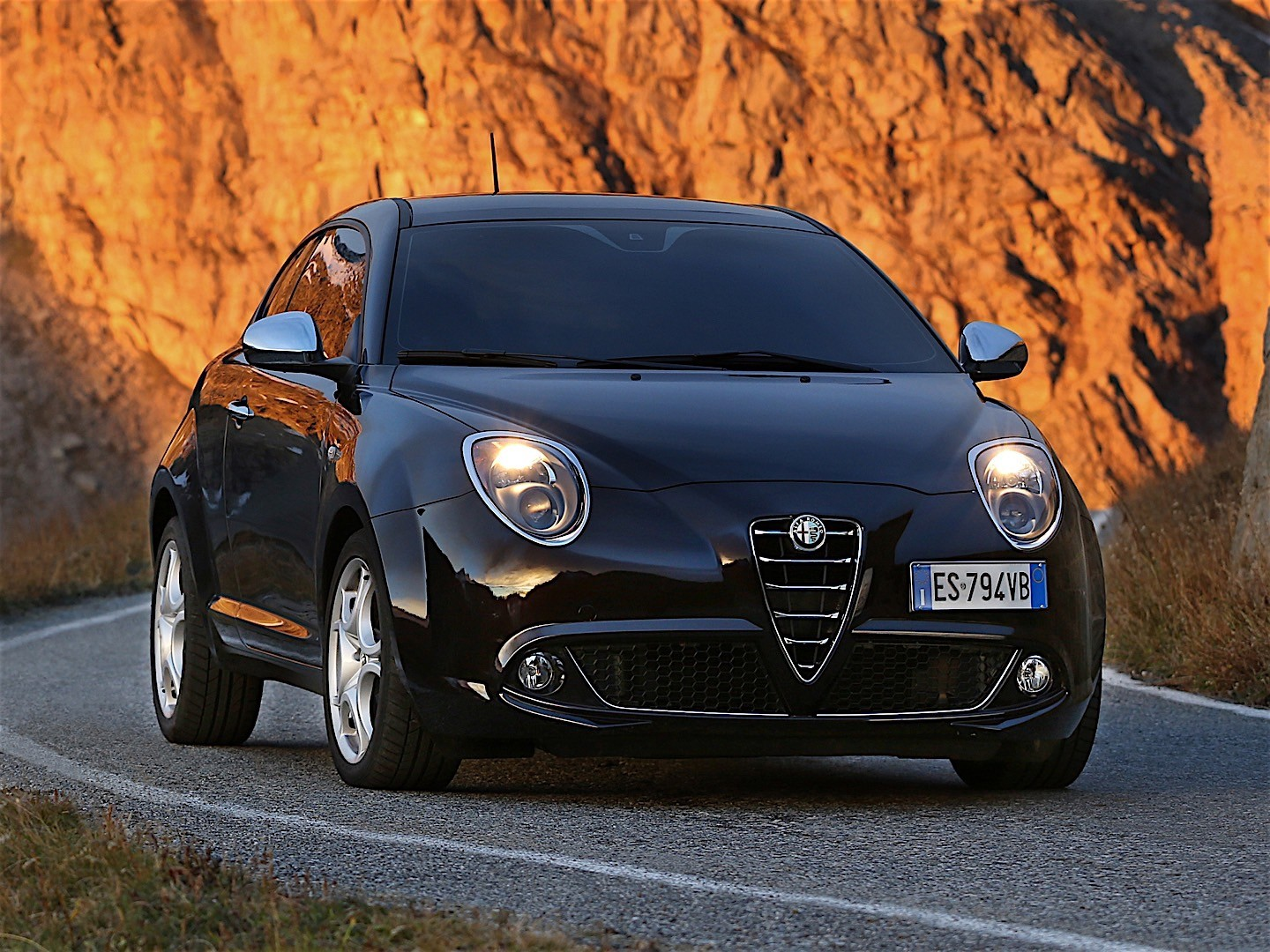 alfa romeo mito 2013 2014 2015 2016 autoevolution. Black Bedroom Furniture Sets. Home Design Ideas