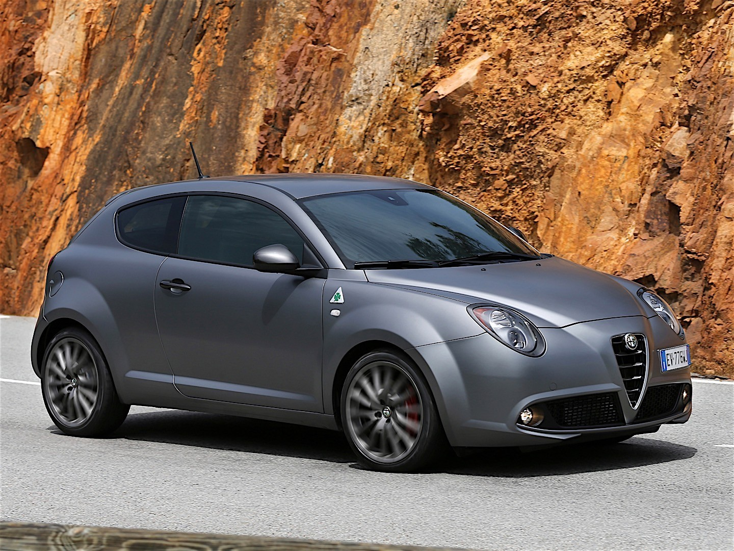 alfa romeo mito quadrifoglio verde specs 2013 2014 2015 2016 autoevolution. Black Bedroom Furniture Sets. Home Design Ideas