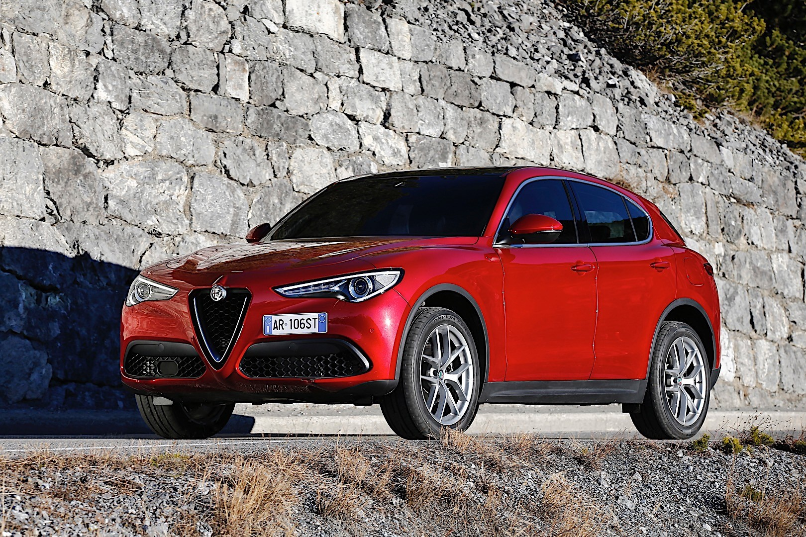 alfa romeo stelvio specs 2017 2018 autoevolution. Black Bedroom Furniture Sets. Home Design Ideas
