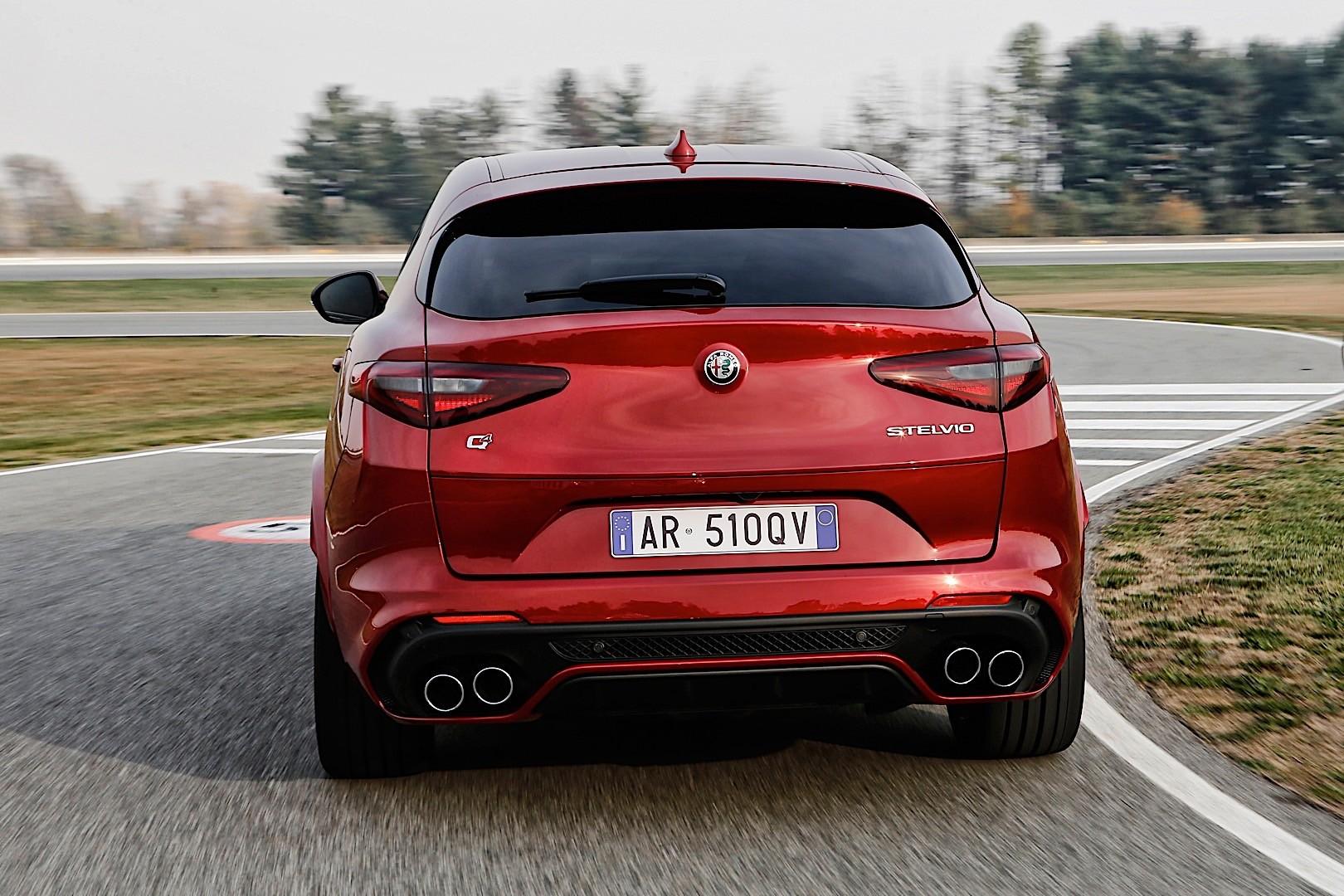 Alfa Romeo Stelvio Quadrifoglio on Stelvio 2018 Alfa Romeo