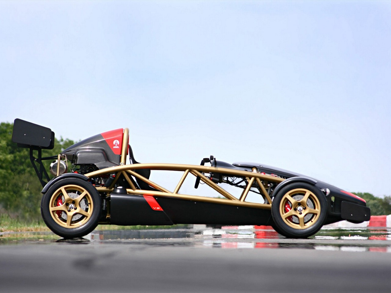Ariel Atom V on 500 Cadillac V8 Engine
