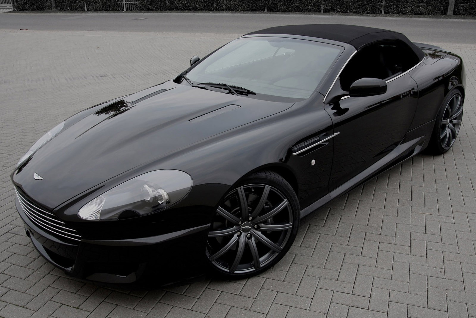 aston martin db9 volante specs 2010 2011 2012 autoevolution. Black Bedroom Furniture Sets. Home Design Ideas