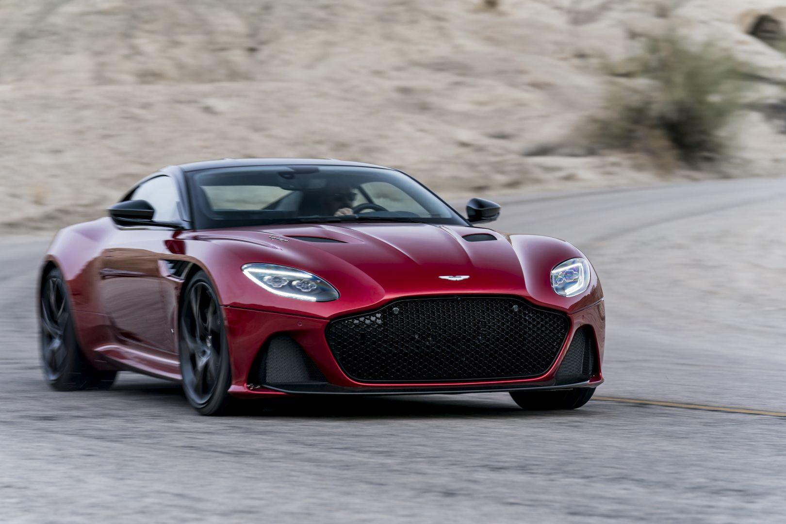 Aston Martin Dbs Superleggera Spezifikationen Fotos 2018 2019 2020 2021 Autoevolution In Deutscher Sprache