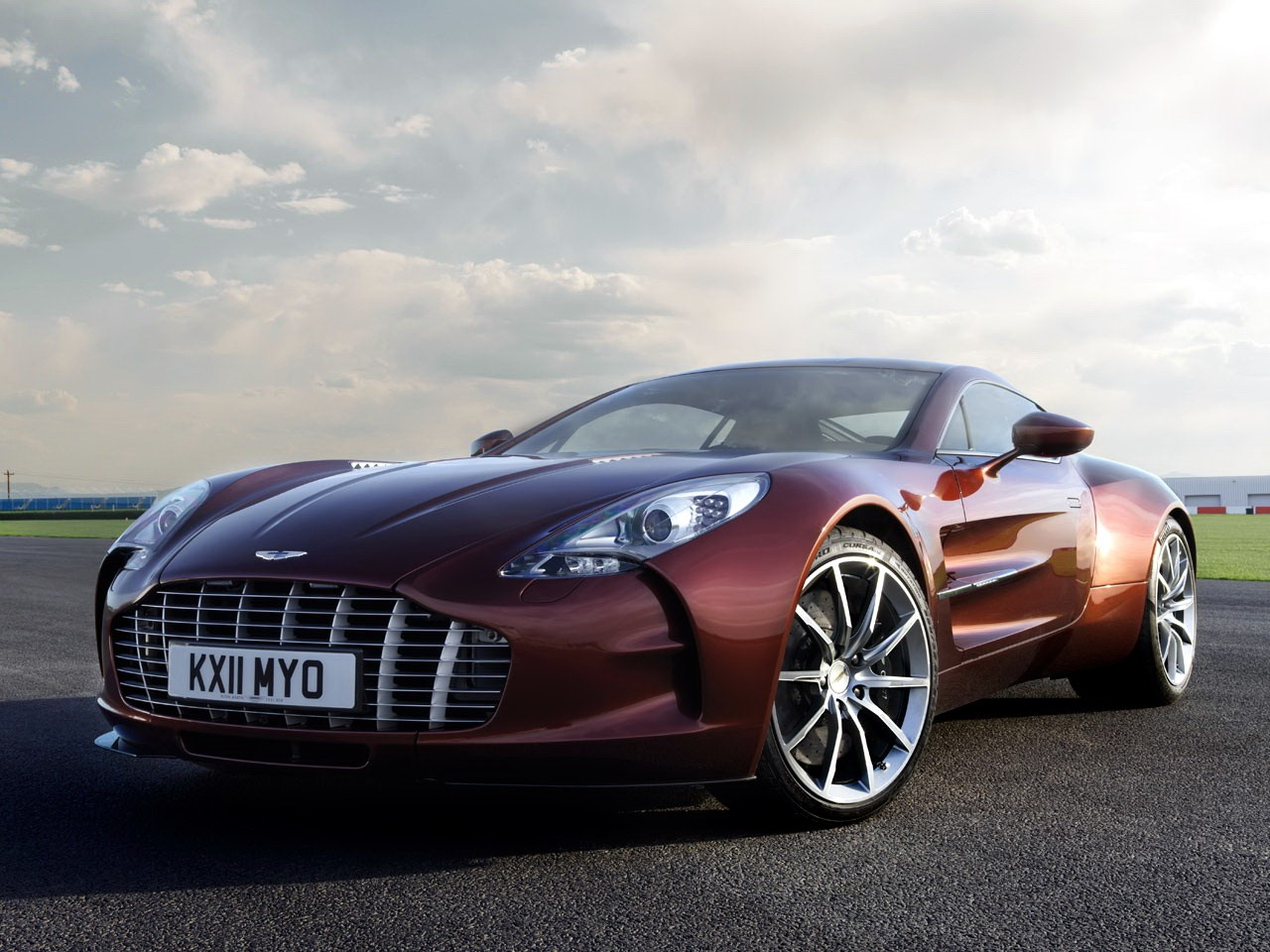 Public Car Auction >> ASTON MARTIN One-77 specs & photos - 2009, 2010, 2011 ...