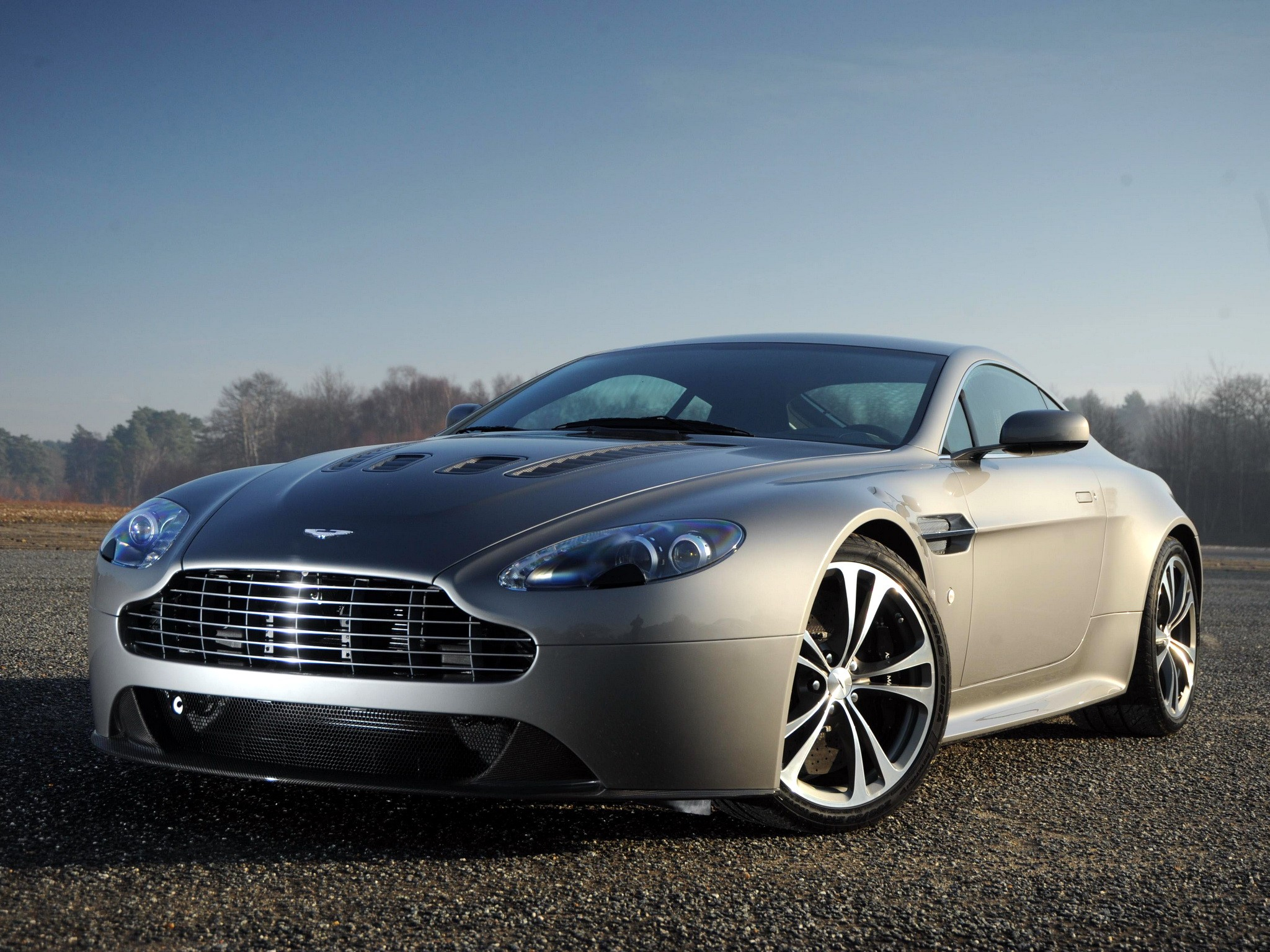 aston martin v12 vantage specs 2009 2010 2011 2012 2013 autoevolution. Black Bedroom Furniture Sets. Home Design Ideas