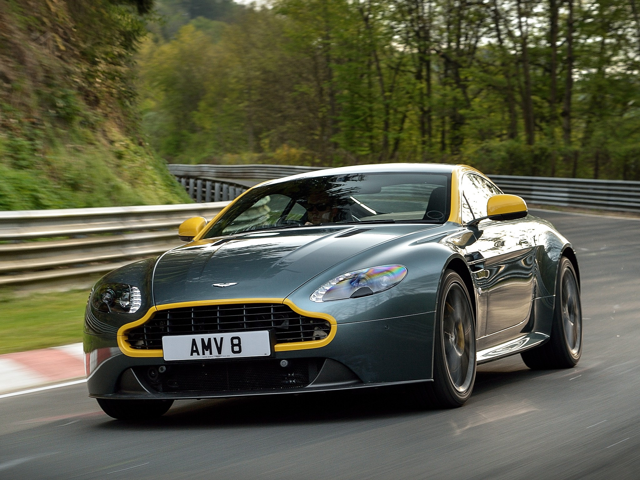 aston martin v8 vantage n420 specs 2010 2011 2012 2013 2014 autoevolution. Black Bedroom Furniture Sets. Home Design Ideas