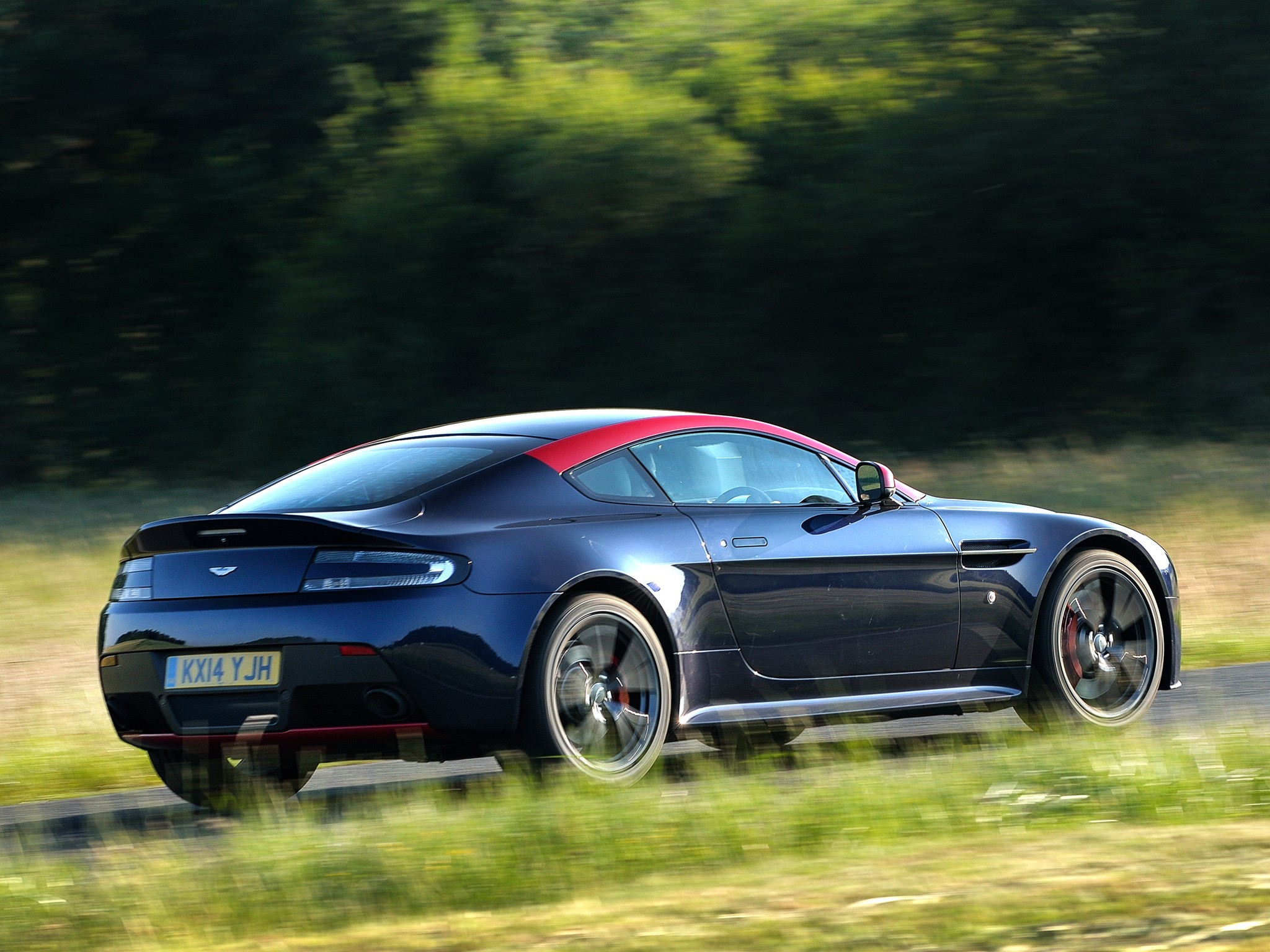 Aston Martin V Vantage N