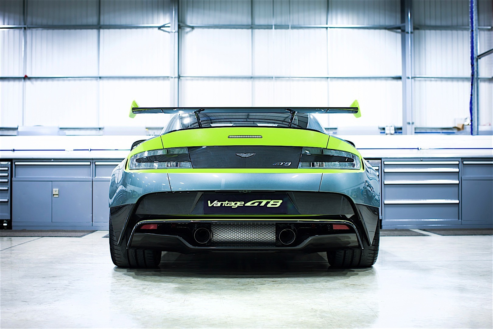 Aston Martin Vantage Gt8 Specs Photos 2016 2017 2018 2019 2020 Autoevolution