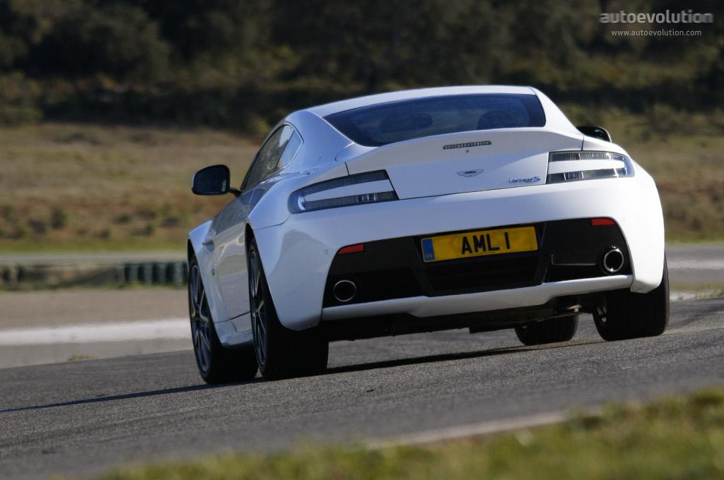 Aston Martin V8 Vantage S Spezifikationen Fotos 2011 2012 2013 2014 2015 2016 2017 2018 2019 2020 2021 Autoevolution In Deutscher Sprache