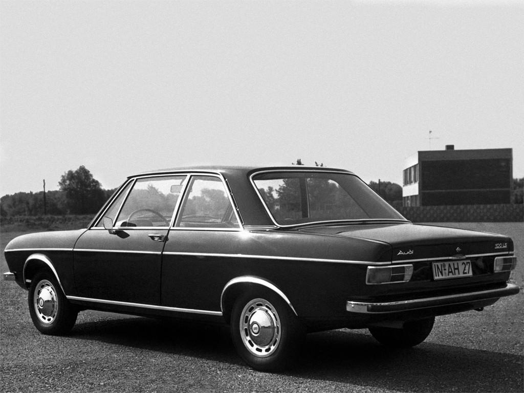 audi 100 coupe 1969 1970 1971 1972 1973 1974 1975 1976 autoevolution. Black Bedroom Furniture Sets. Home Design Ideas