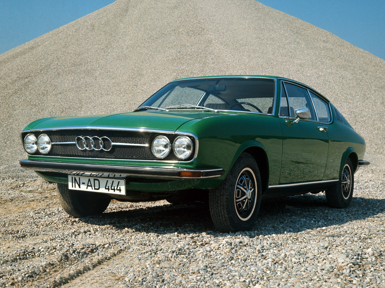 audi 100 coupe s specs 1970 1971 1972 1973 1974 1975 1976 autoevolution. Black Bedroom Furniture Sets. Home Design Ideas