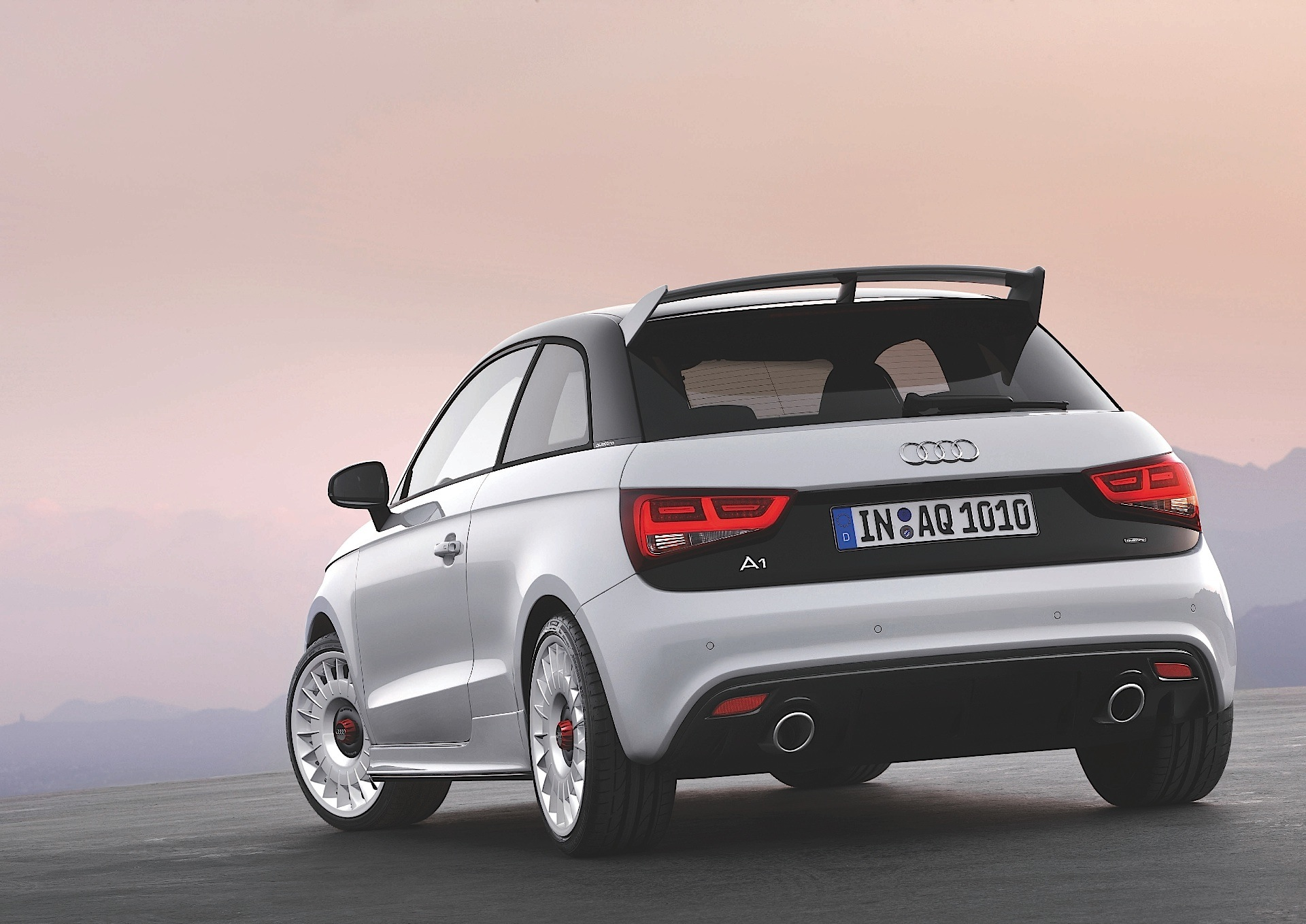 audi a1 quattro 2012 2013 autoevolution. Black Bedroom Furniture Sets. Home Design Ideas