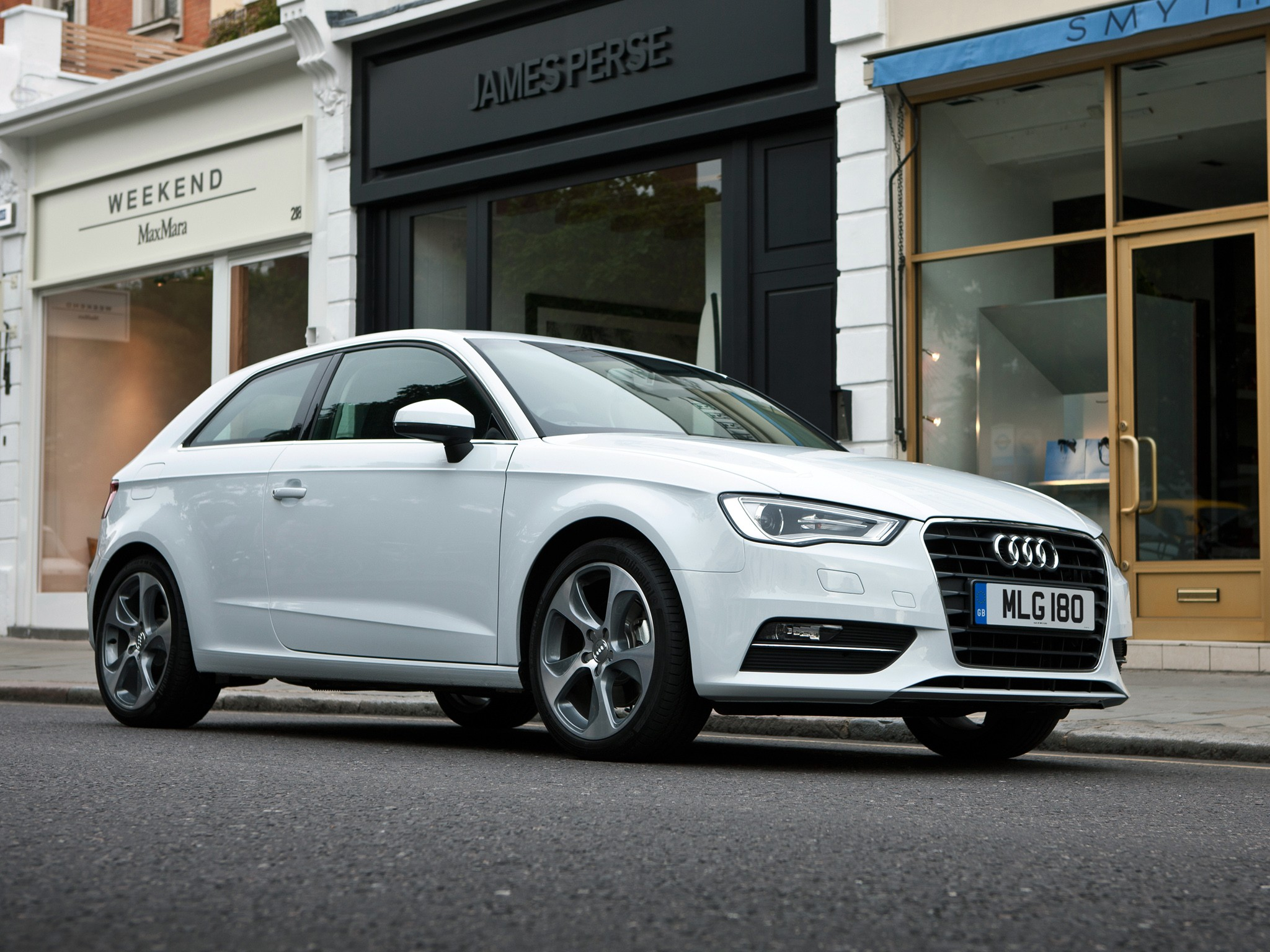audi a3 hatchback 3 doors specs photos 2012 2013. Black Bedroom Furniture Sets. Home Design Ideas