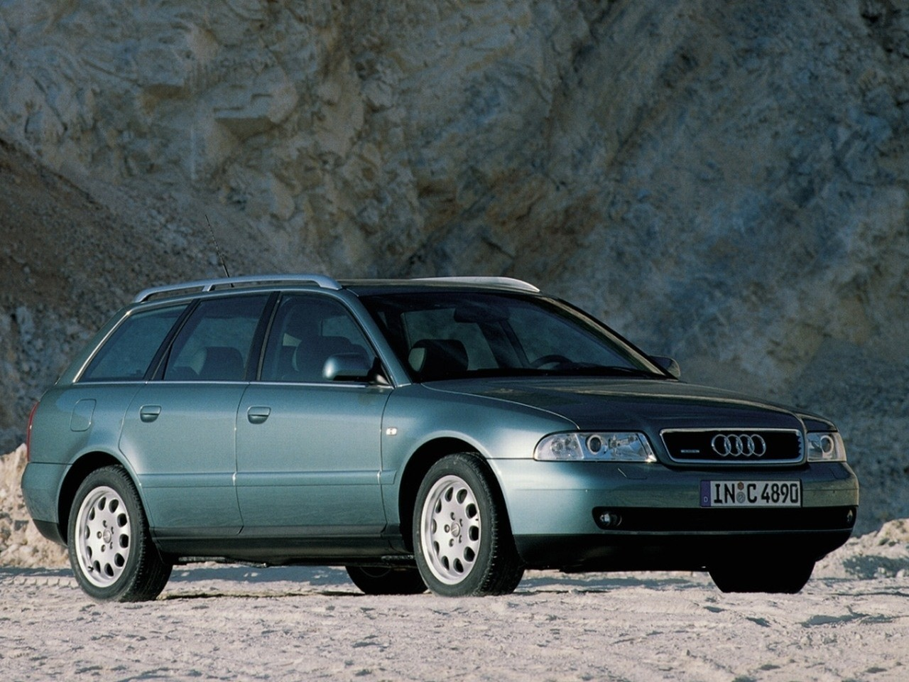 audi a4 avant specs photos 1996 1997 1998 1999 2000 2001 autoevolution. Black Bedroom Furniture Sets. Home Design Ideas