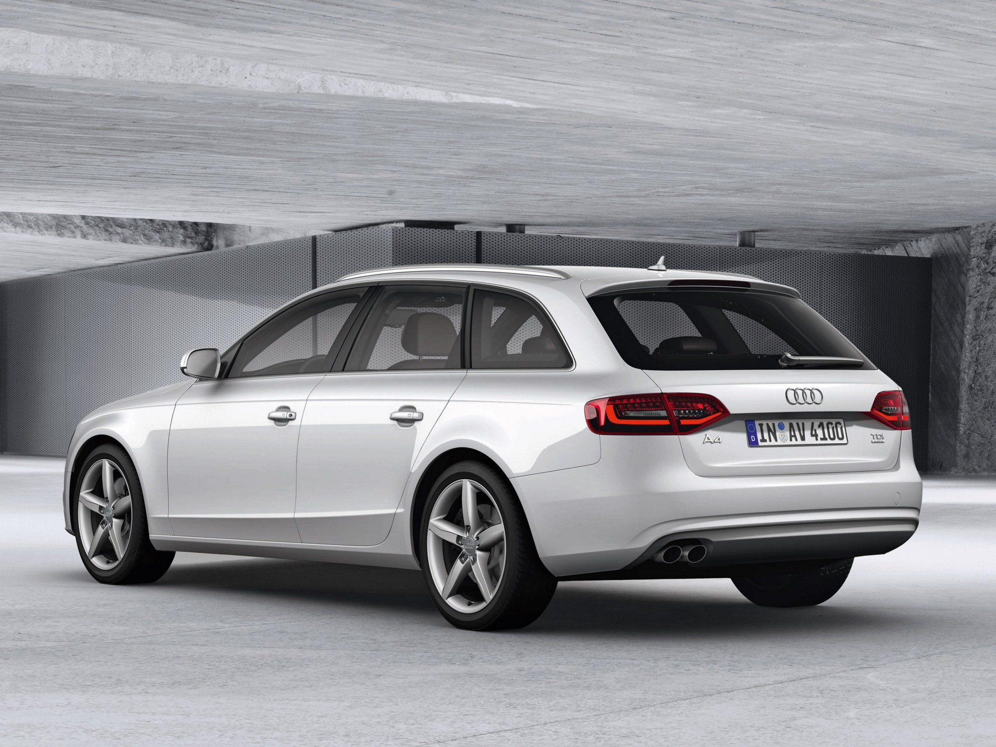 audi a4 avant specs 2012 2013 2014 2015 2016 autoevolution. Black Bedroom Furniture Sets. Home Design Ideas