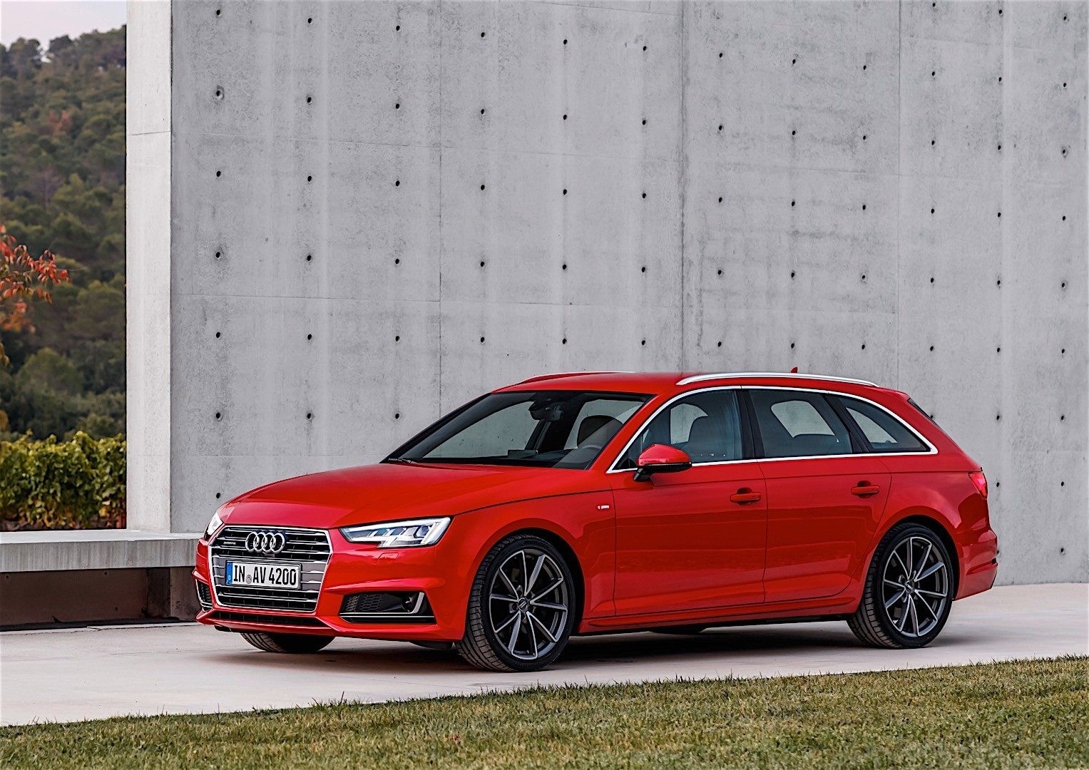 audi a4 avant 2016 autoevolution. Black Bedroom Furniture Sets. Home Design Ideas