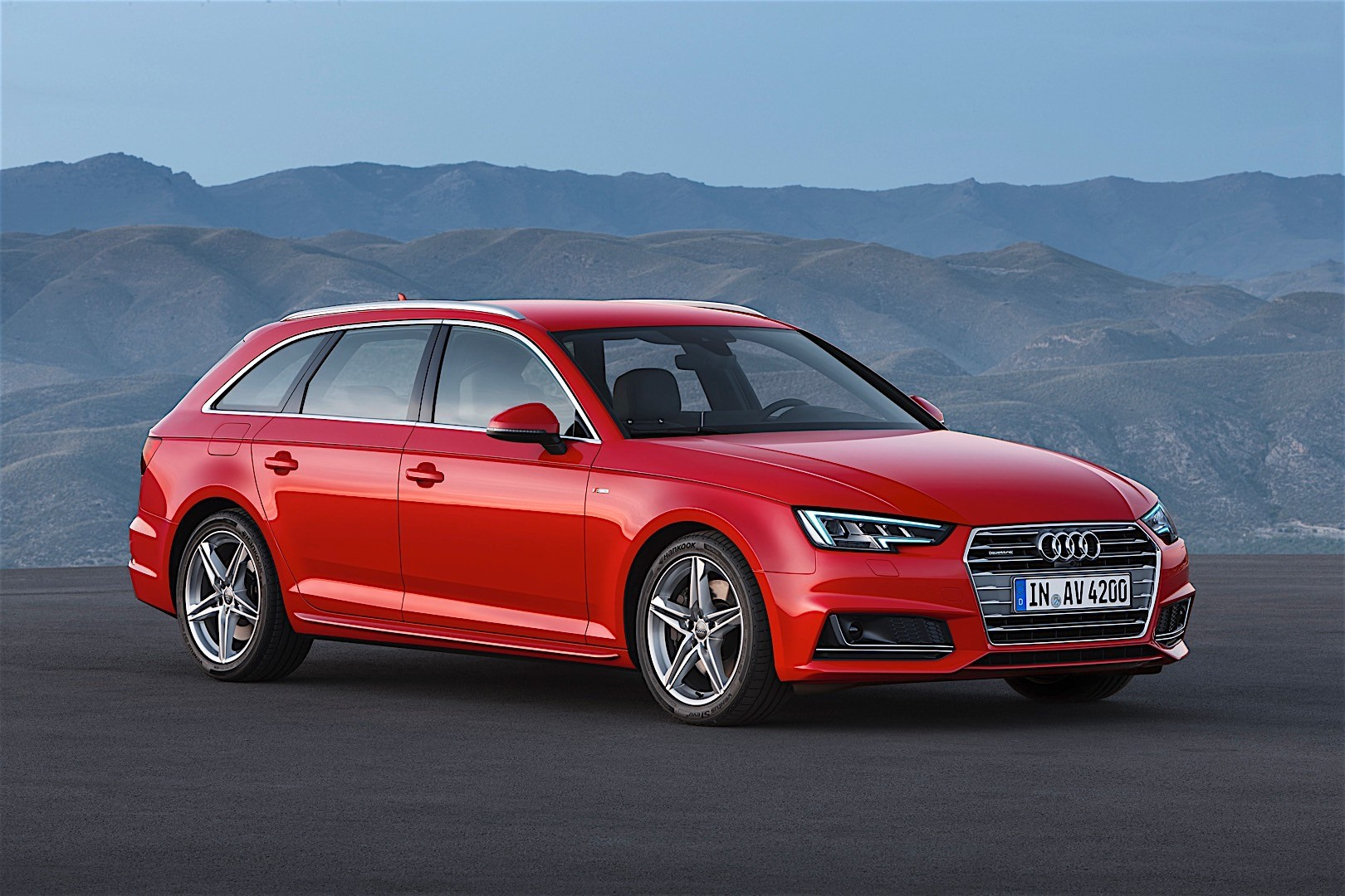 audi a4 avant specs 2016 2017 autoevolution. Black Bedroom Furniture Sets. Home Design Ideas