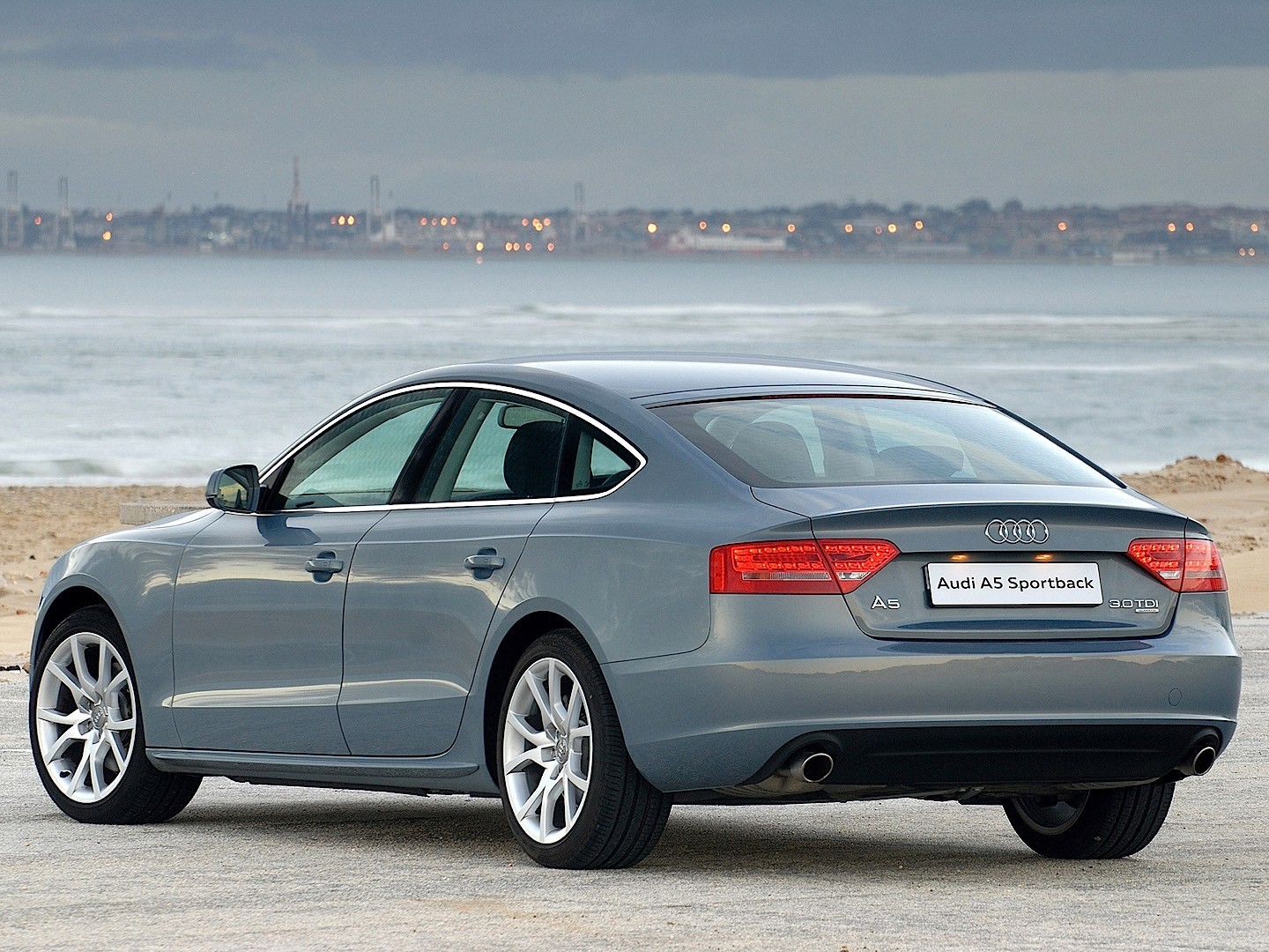 audi a5 sportback specs photos 2009 2010 2011 autoevolution. Black Bedroom Furniture Sets. Home Design Ideas