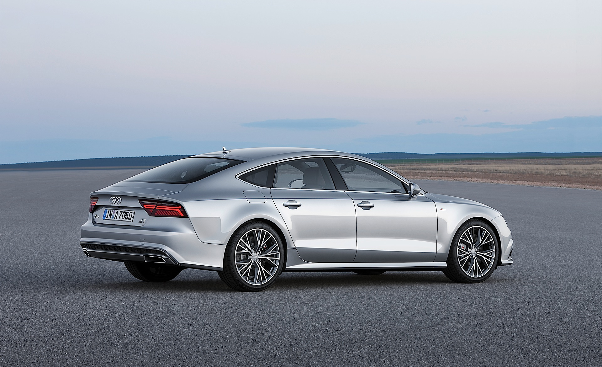 audi a7 sportback 2014 2015 2016 autoevolution. Black Bedroom Furniture Sets. Home Design Ideas