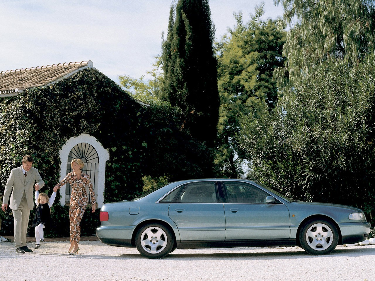 AUDI A8 (D2) specs & photos - 1994, 1995, 1996, 1997, 1998, 1999 - autoevolution