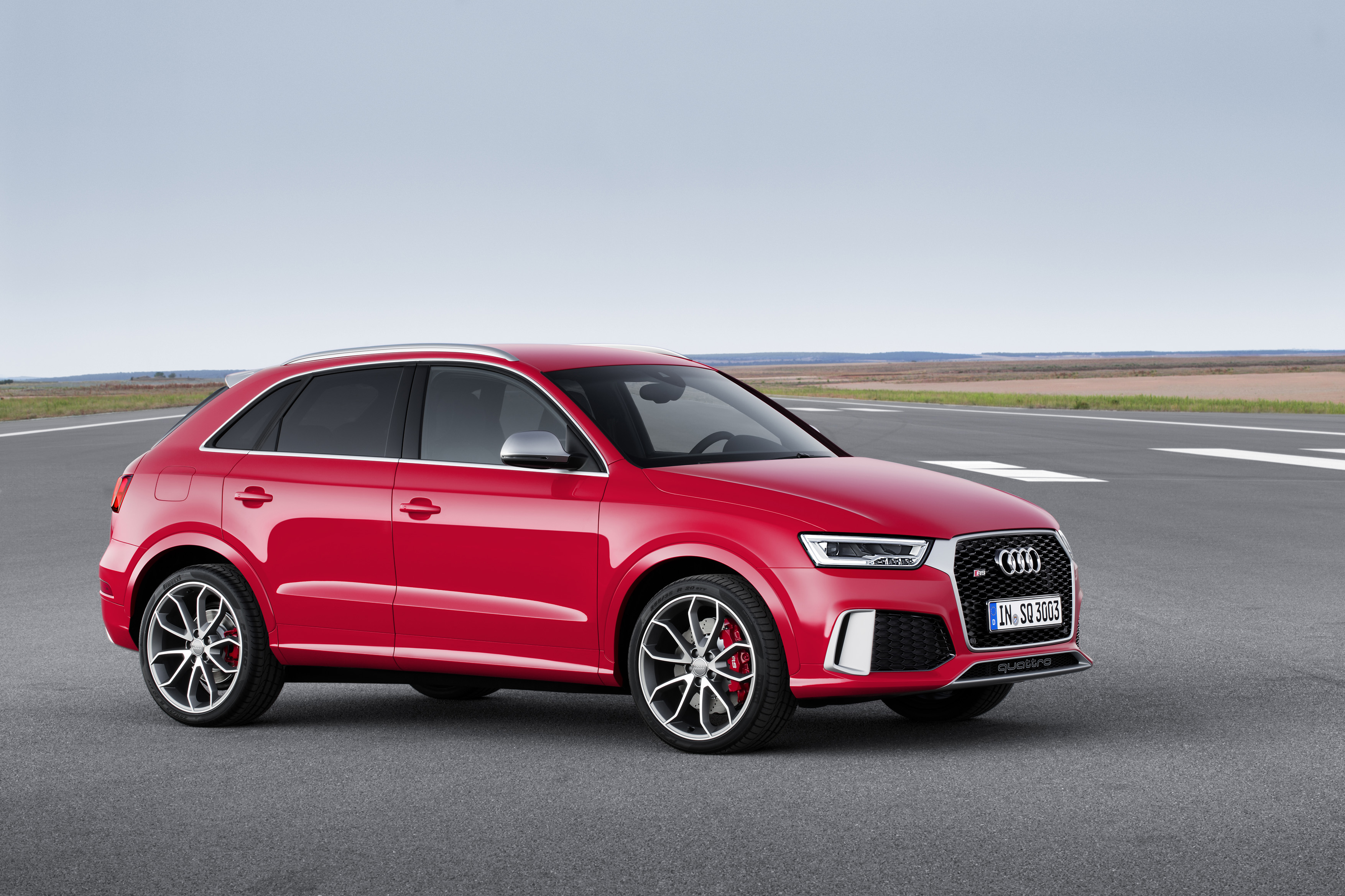 audi rs q3 facelift specs 2015 autoevolution. Black Bedroom Furniture Sets. Home Design Ideas