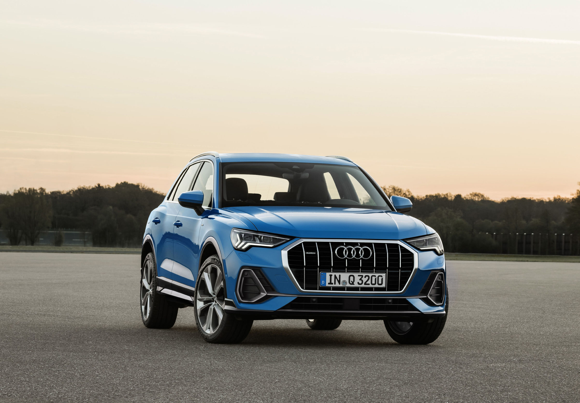 Bmw X2 Business Design >> AUDI Q3 specs - 2018 - autoevolution