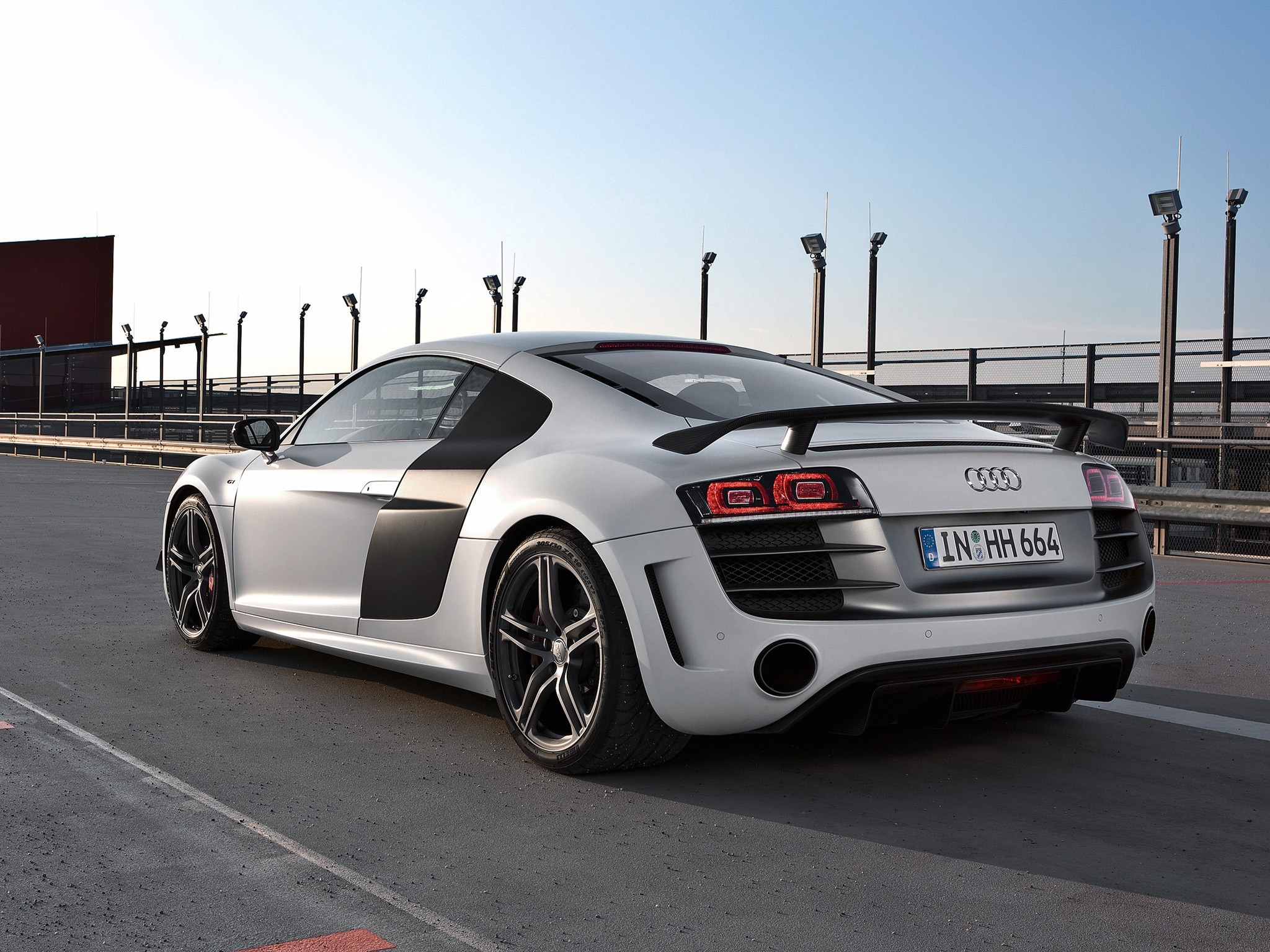 audi r8 gt specs 2010 2011 2012 2013 autoevolution. Black Bedroom Furniture Sets. Home Design Ideas