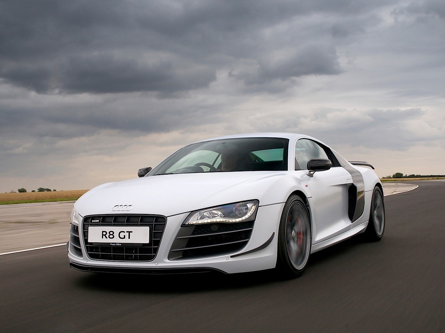 2013 audi r8 v10 top speed 16