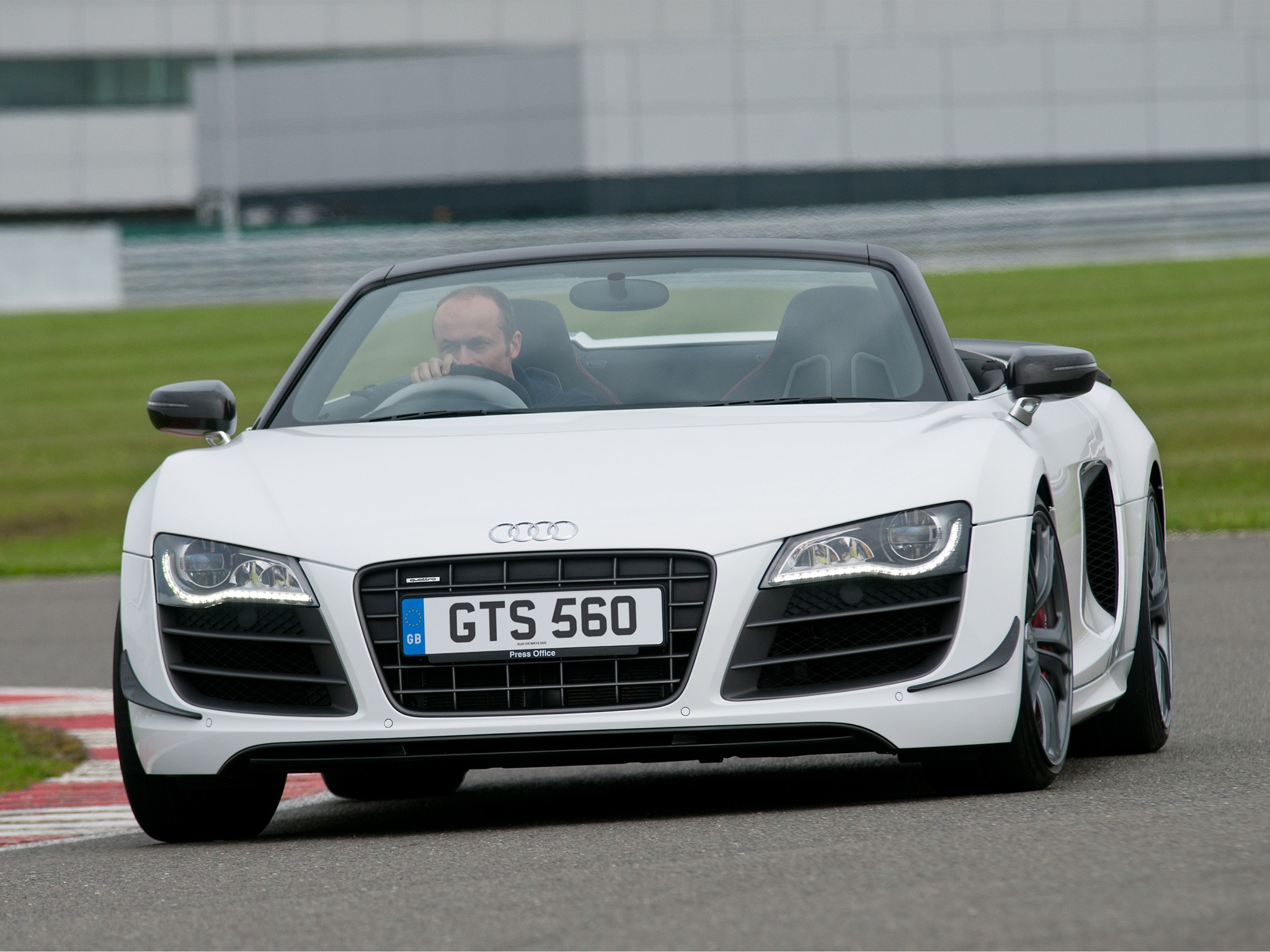 Audi R8 GT 2012 Widescreen Exotic Car Image #16 of 36 : Diesel Station