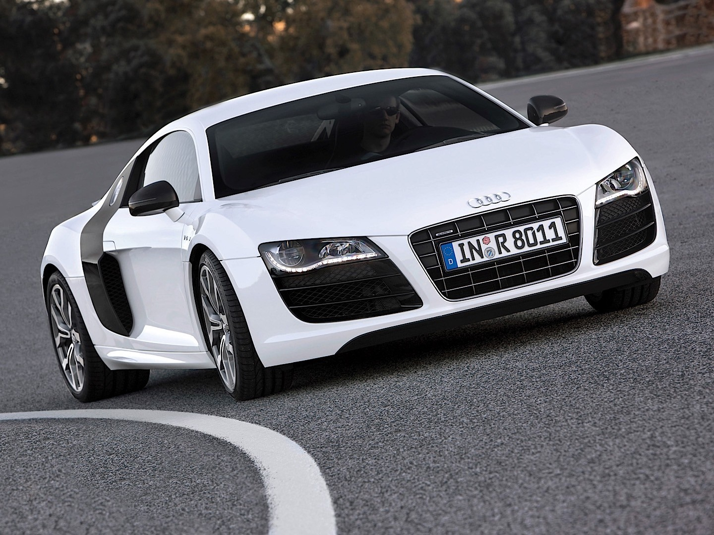 audi r8 v10 specs photos 2008 2009 2010 2011 2012 autoevolution. Black Bedroom Furniture Sets. Home Design Ideas