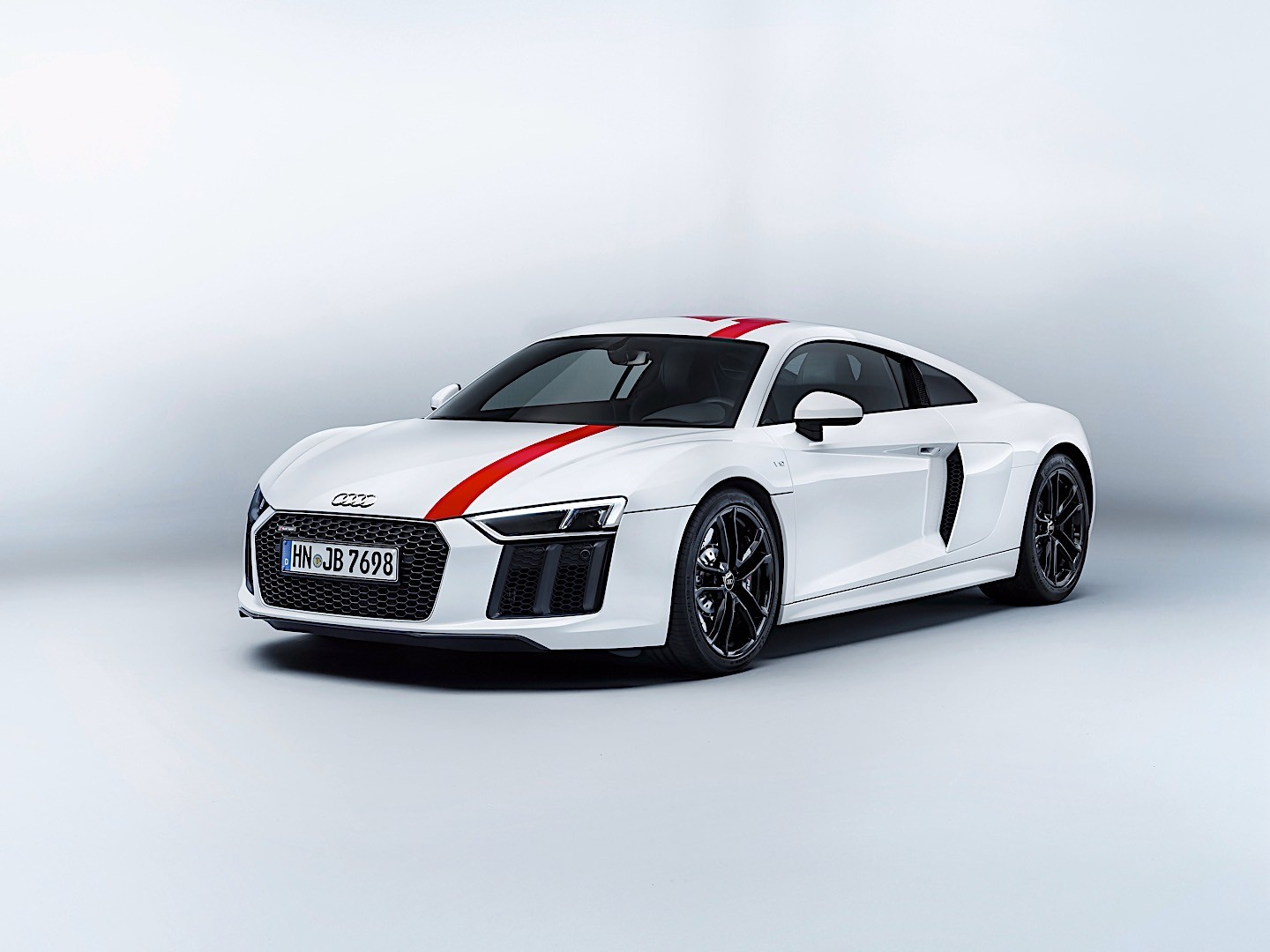 audi r8 v10 rws specs 2017 2018 autoevolution. Black Bedroom Furniture Sets. Home Design Ideas