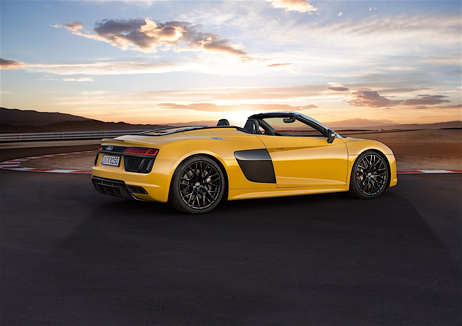 audi r8 v10 spyder 2016 autoevolution. Black Bedroom Furniture Sets. Home Design Ideas