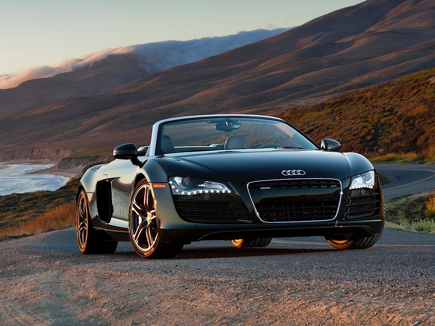 audi r8 v8 spyder specs 2010 2011 2012 2013 autoevolution. Black Bedroom Furniture Sets. Home Design Ideas