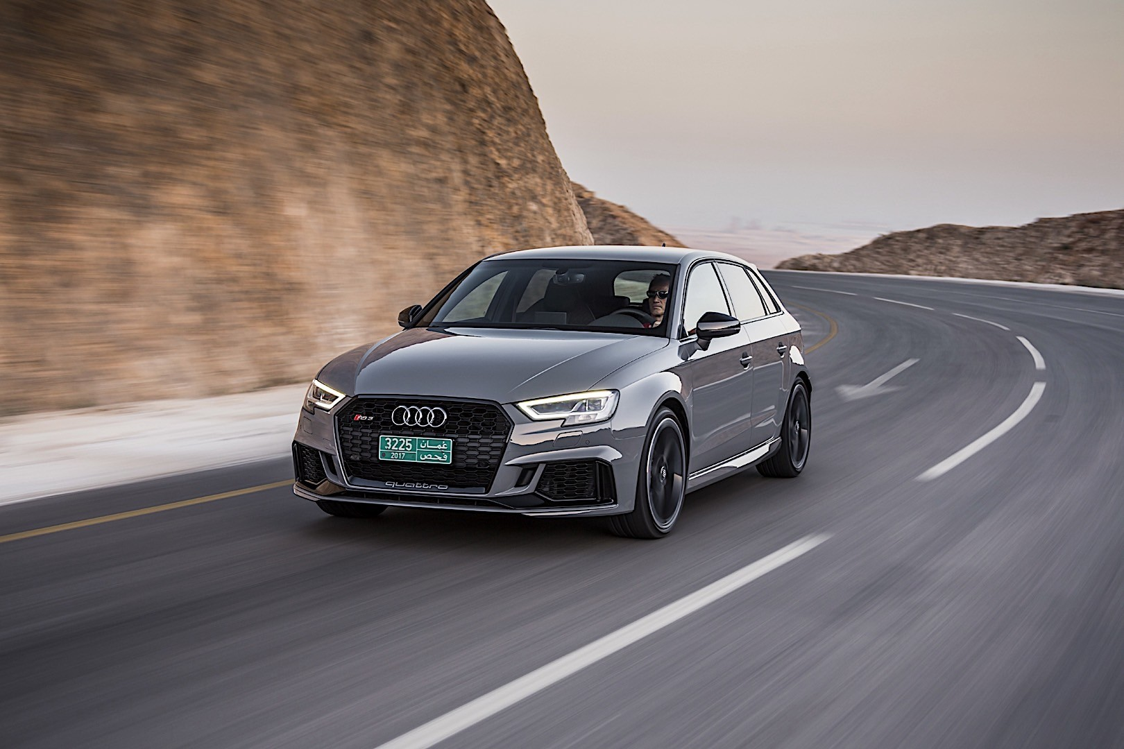 audi rs3 sportback specs 2017 2018 autoevolution. Black Bedroom Furniture Sets. Home Design Ideas