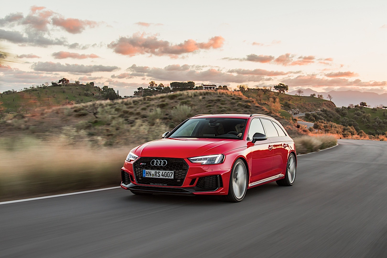 AUDI RS4 Avant (B9) specs & photos - 2017, 2018, 2019 ...