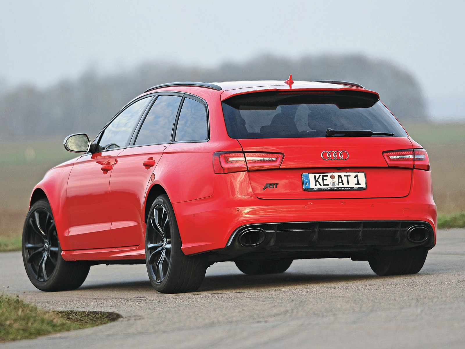 audi rs6 avant 2013 2014 2015 2016 2017 autoevolution. Black Bedroom Furniture Sets. Home Design Ideas