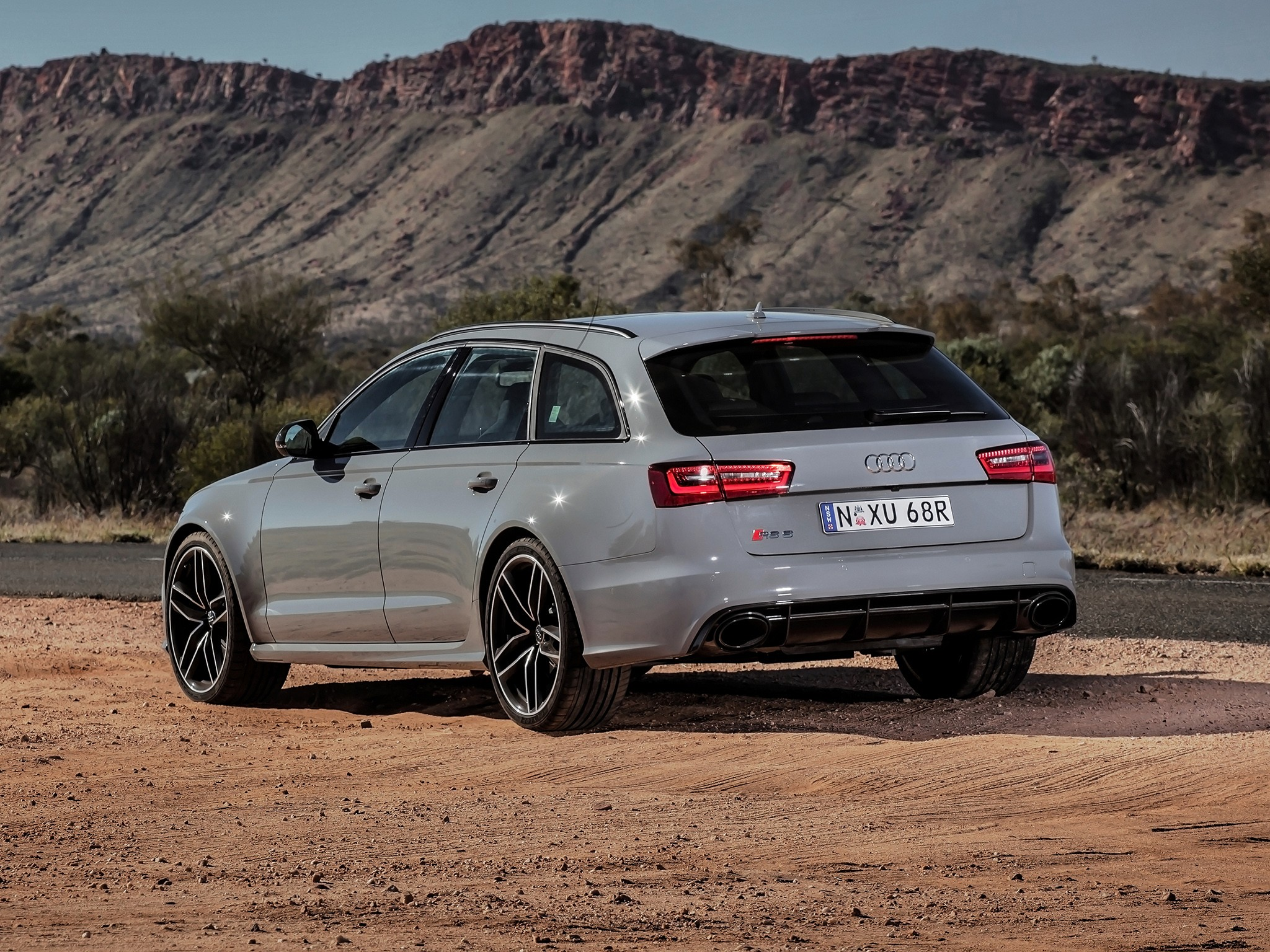 audi rs6 avant specs photos 2013 2014 2015 2016. Black Bedroom Furniture Sets. Home Design Ideas