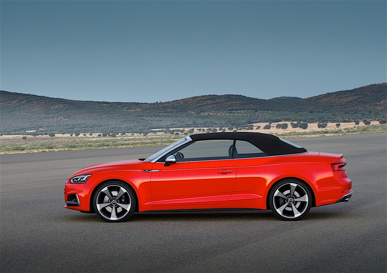 audi s5 cabriolet specs 2016 2017 autoevolution. Black Bedroom Furniture Sets. Home Design Ideas