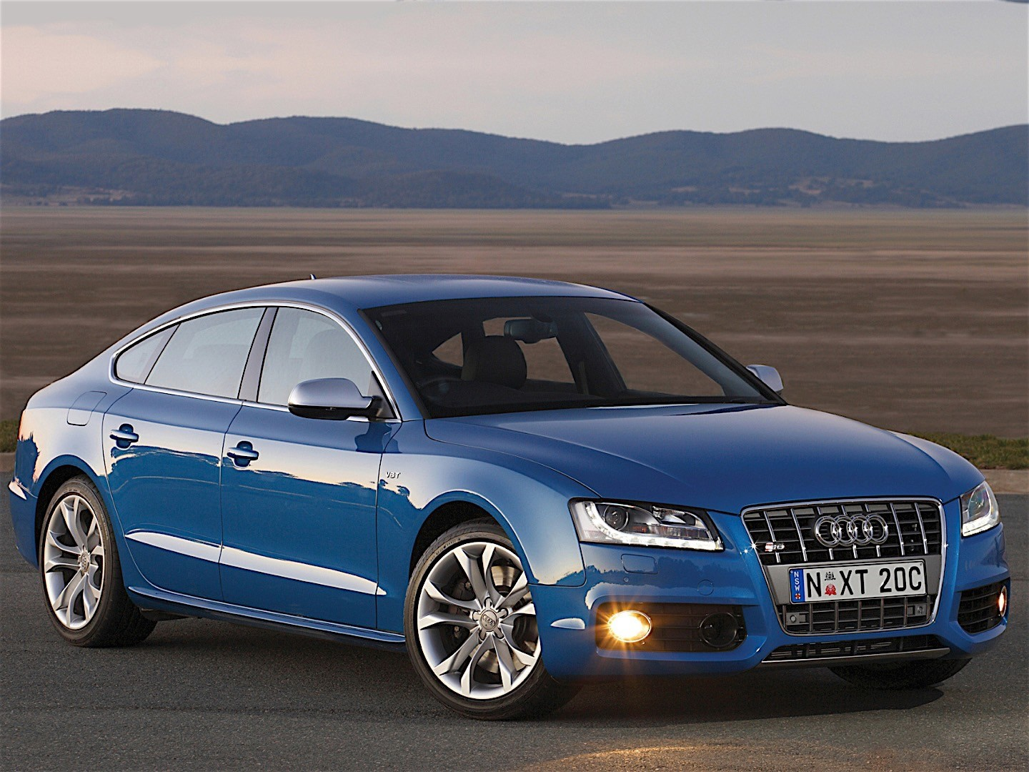 audi s5 sportback specs photos 2010 2011 autoevolution. Black Bedroom Furniture Sets. Home Design Ideas
