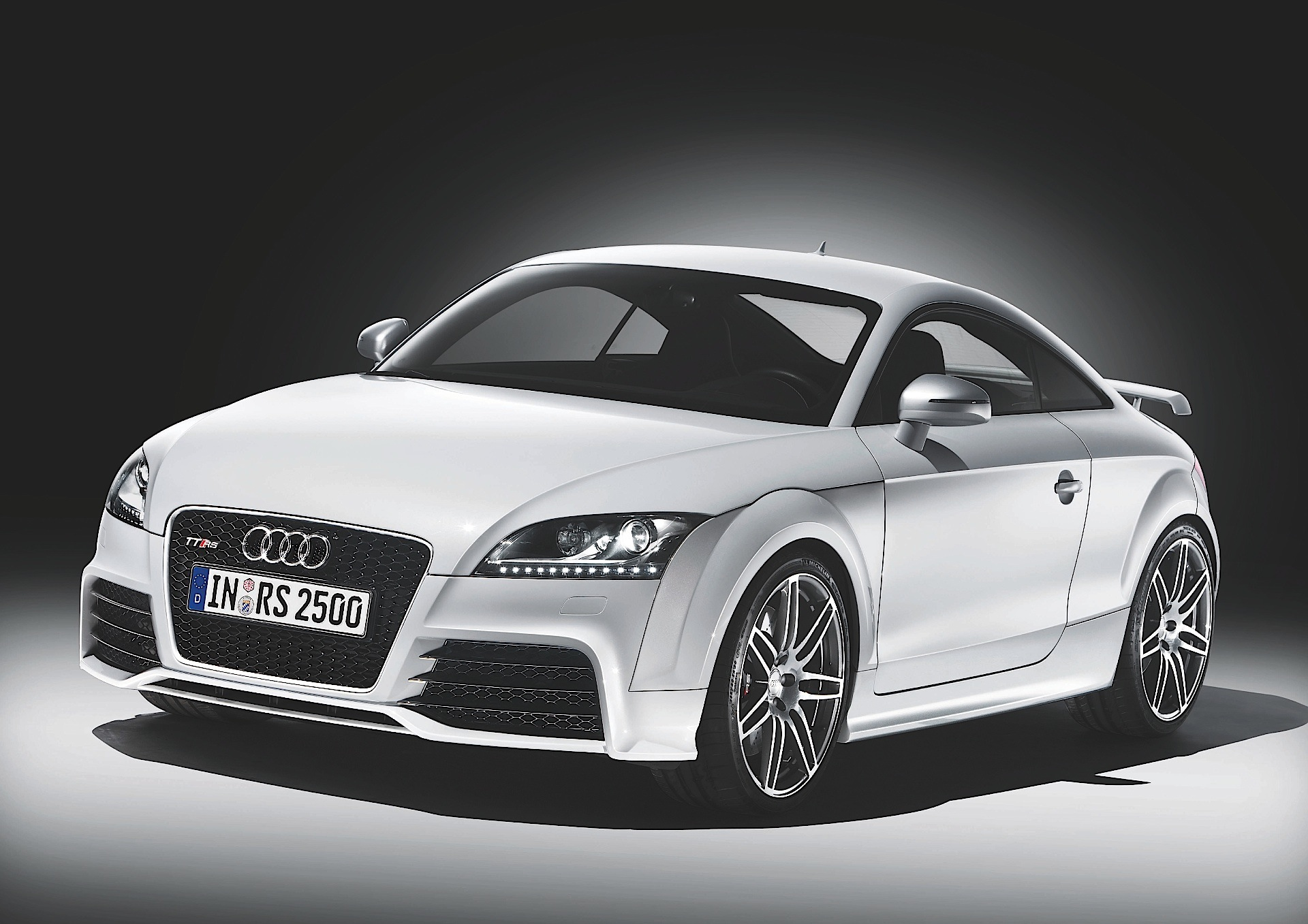 audi tt rs coupe 2009 2010 2011 2012 2013 2014 autoevolution. Black Bedroom Furniture Sets. Home Design Ideas